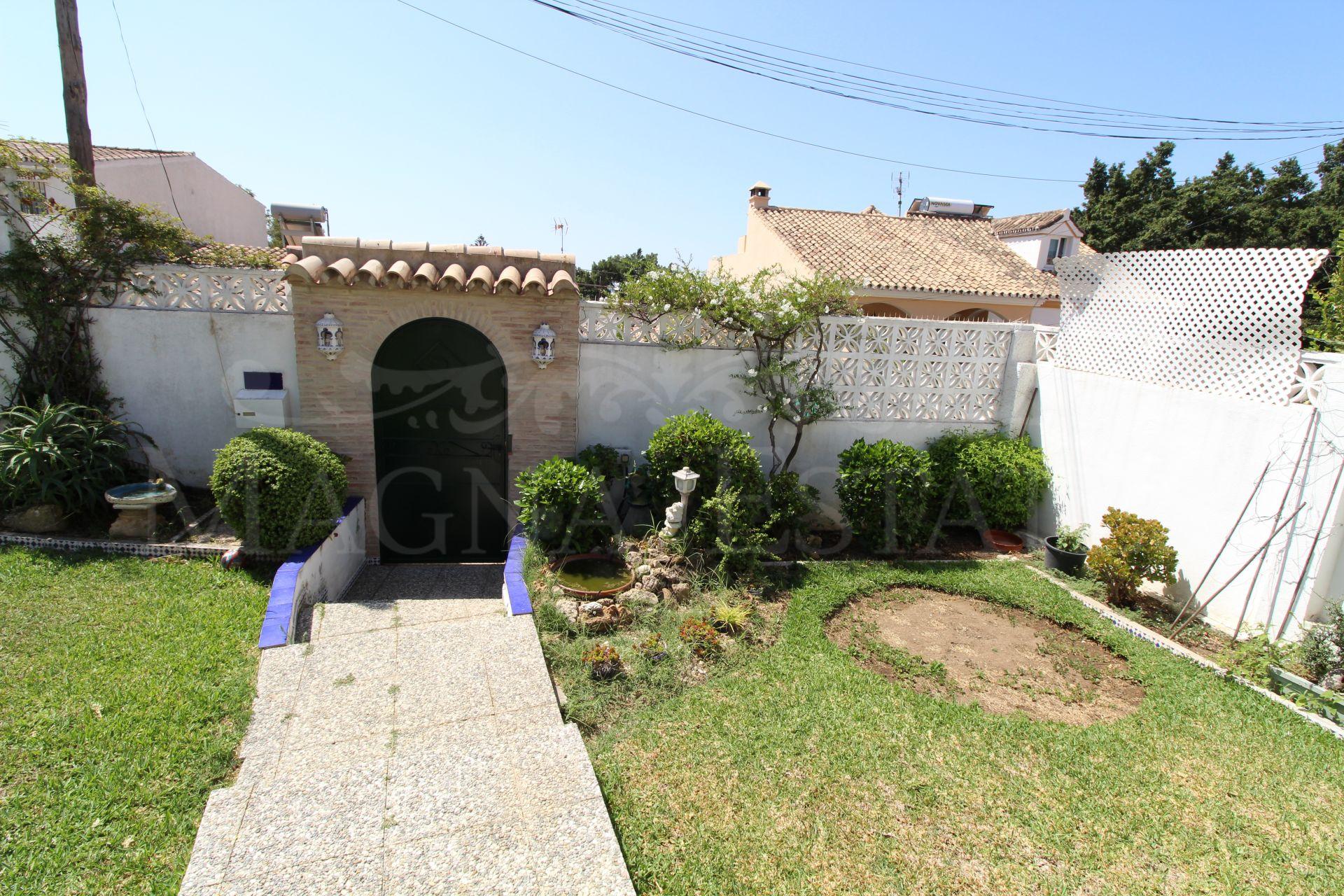 Corner townhouse with large garden in La Campana, Marbella