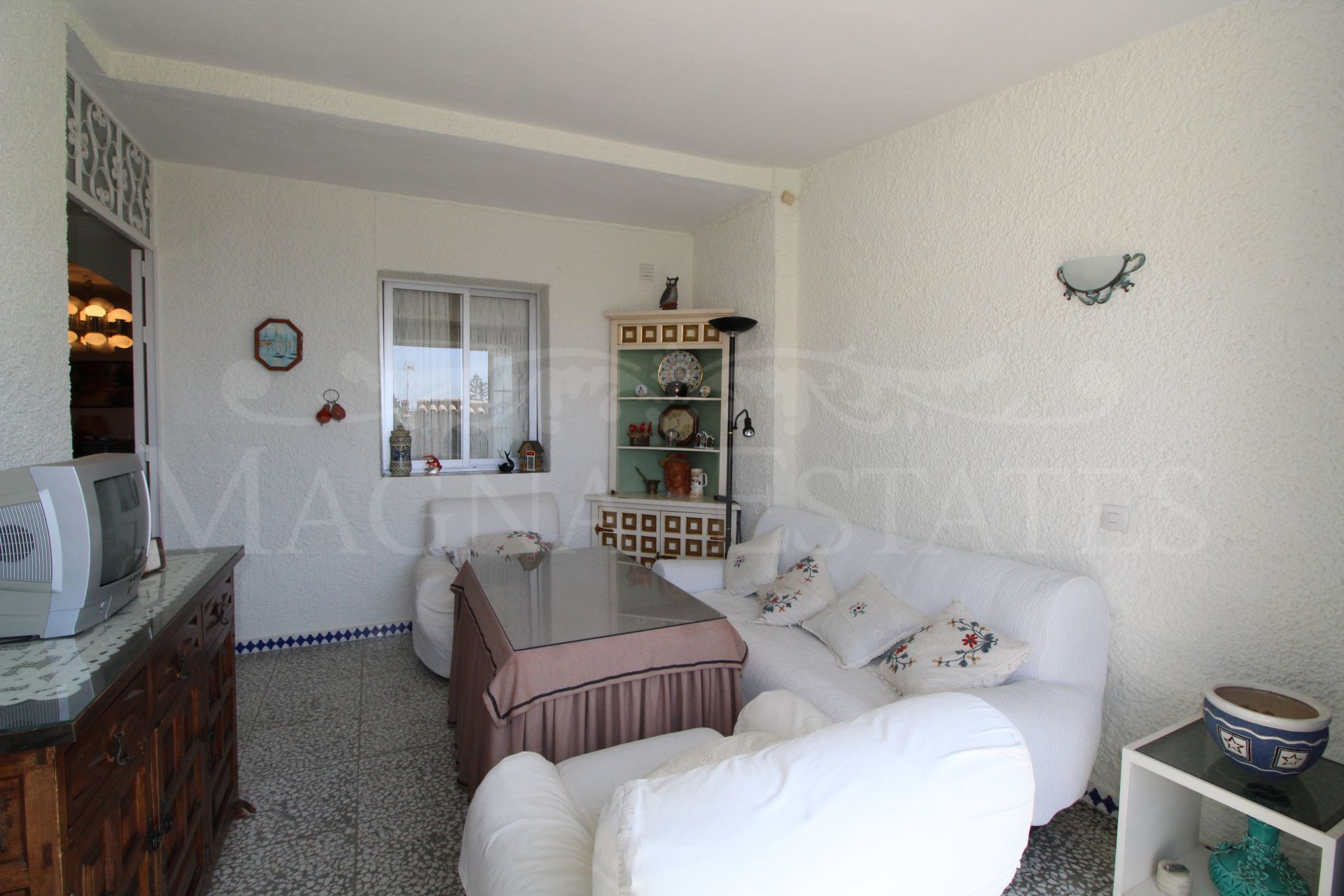 Corner townhouse with large garden in La Campana, Marbella
