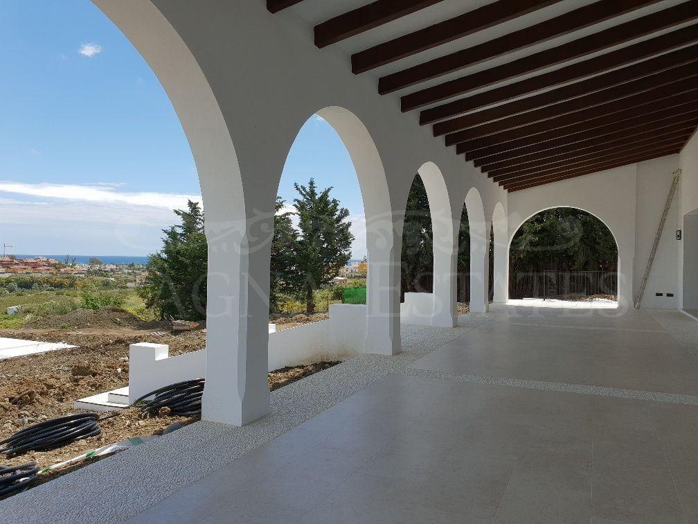 Cortijo in Cancelada, Estepona, with a plot of 8,600 m2, completely renovated