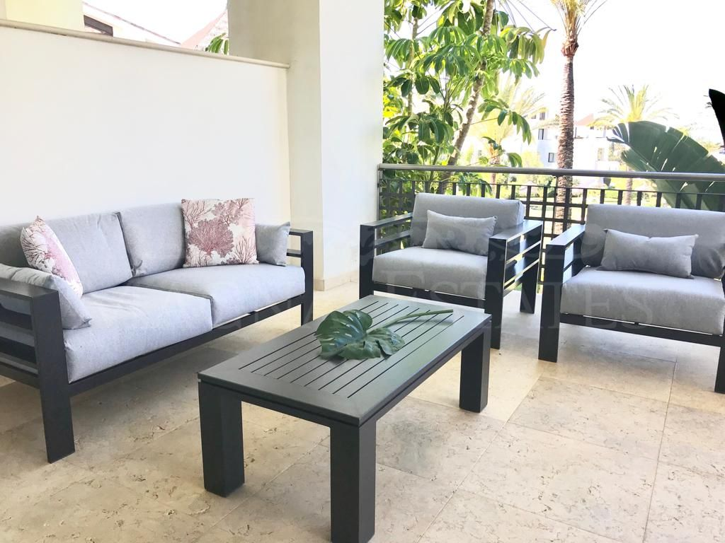 Apartment fully furnished and brand new in Mirador del Paraíso, Benahavís
