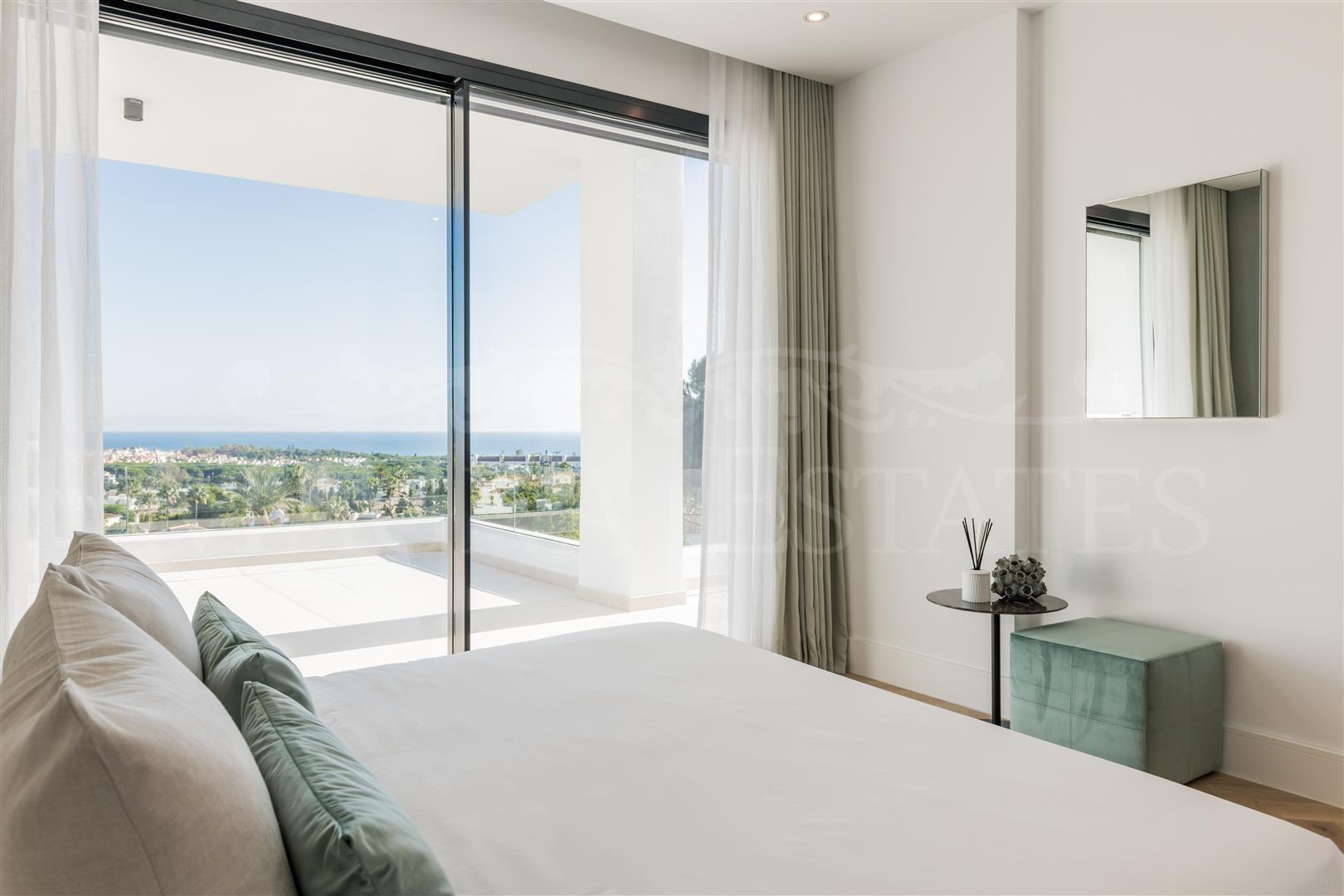 Brand new contemporary style villa with sea views in El Paraíso, Estepona