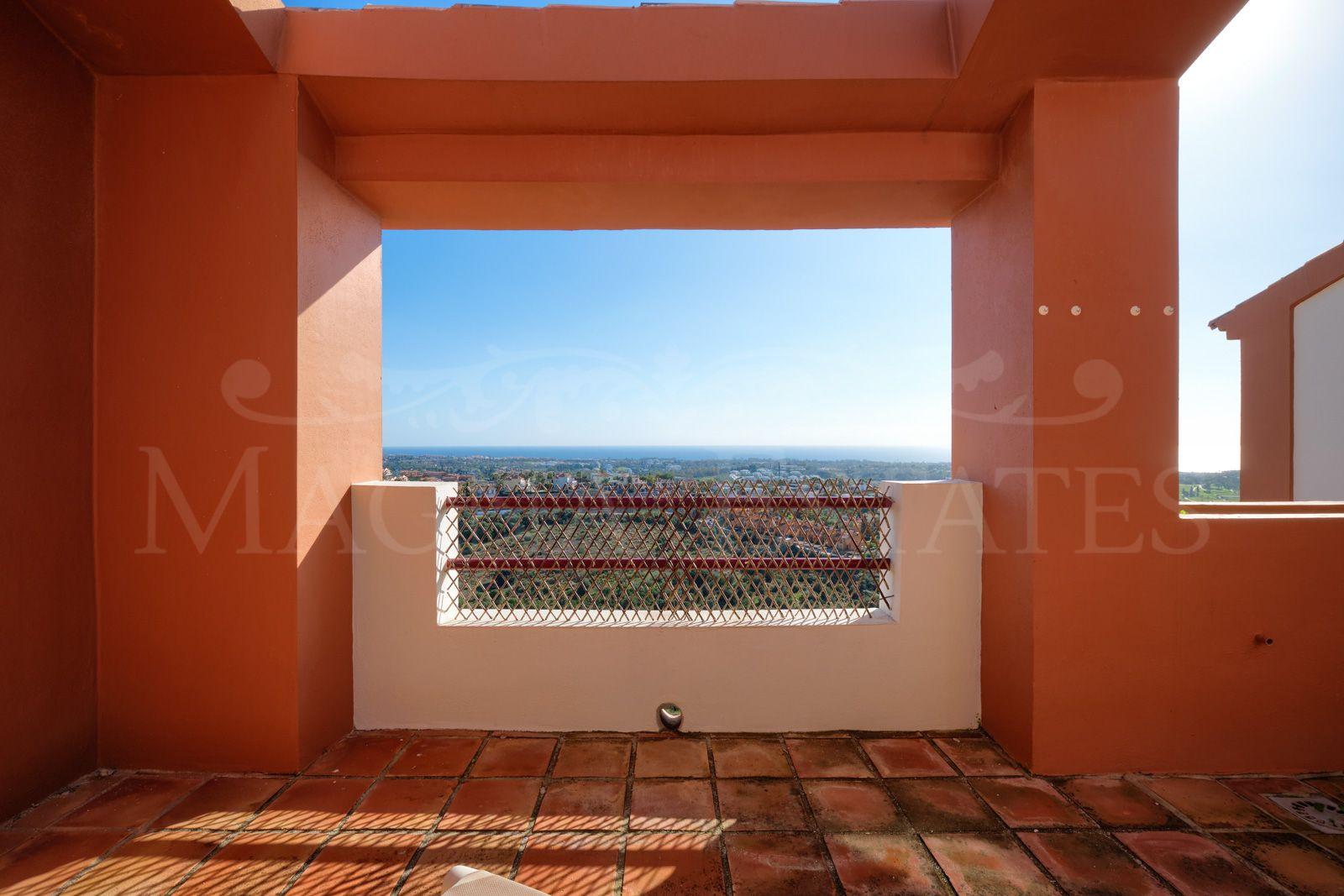 Adosado con impresionantes vistas en La Alquería, Benahavís