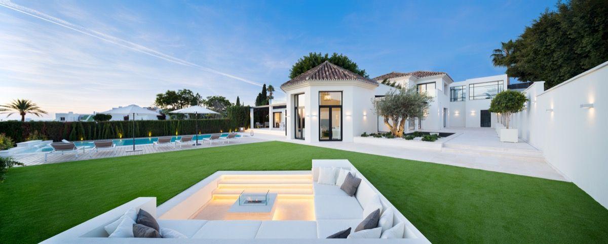 Villa  in Aloha, Nueva Andalucia, Marbella