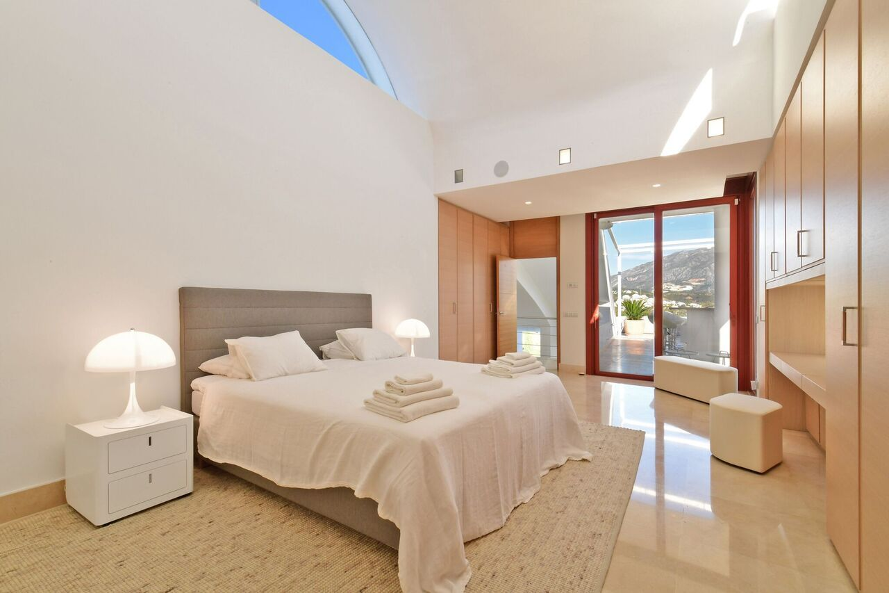 Villa for rent in Los Naranjos Golf, Nueva Andalucia, Marbella