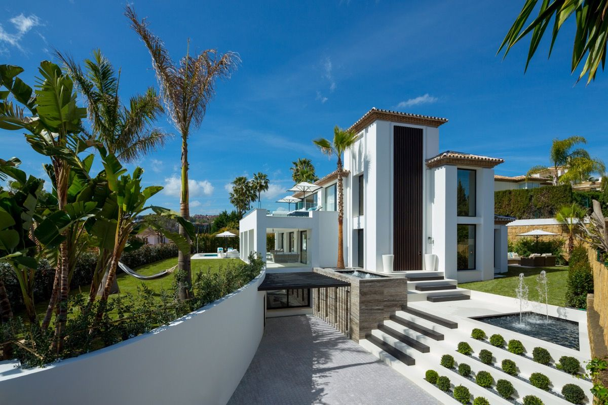 Villa  in Nueva Andalucia, Marbella