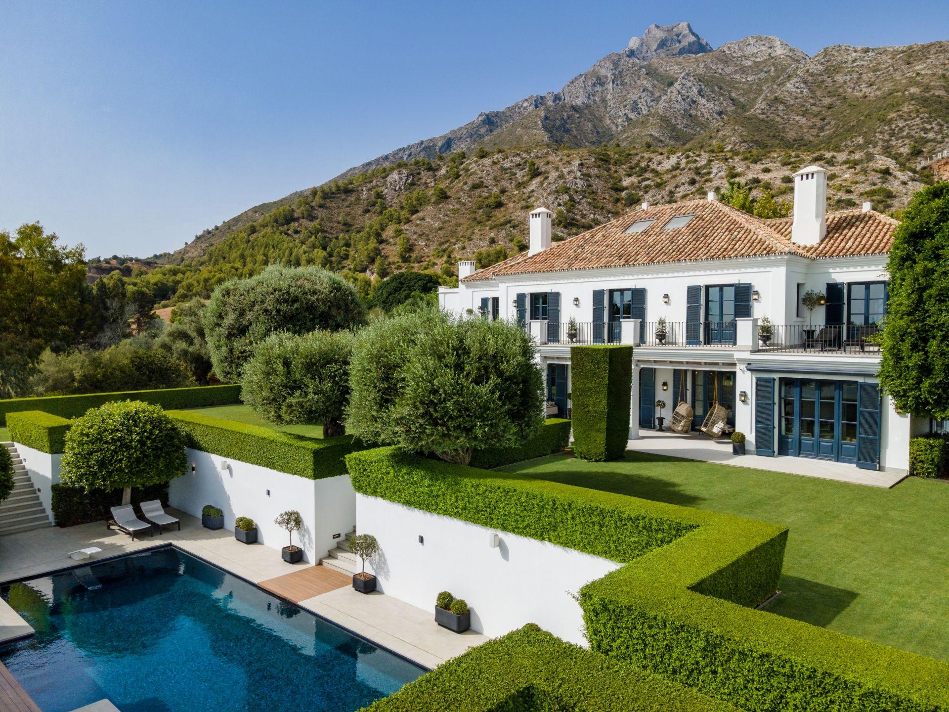 Villa for sale in Los Picos, Marbella Golden Mile, Marbella