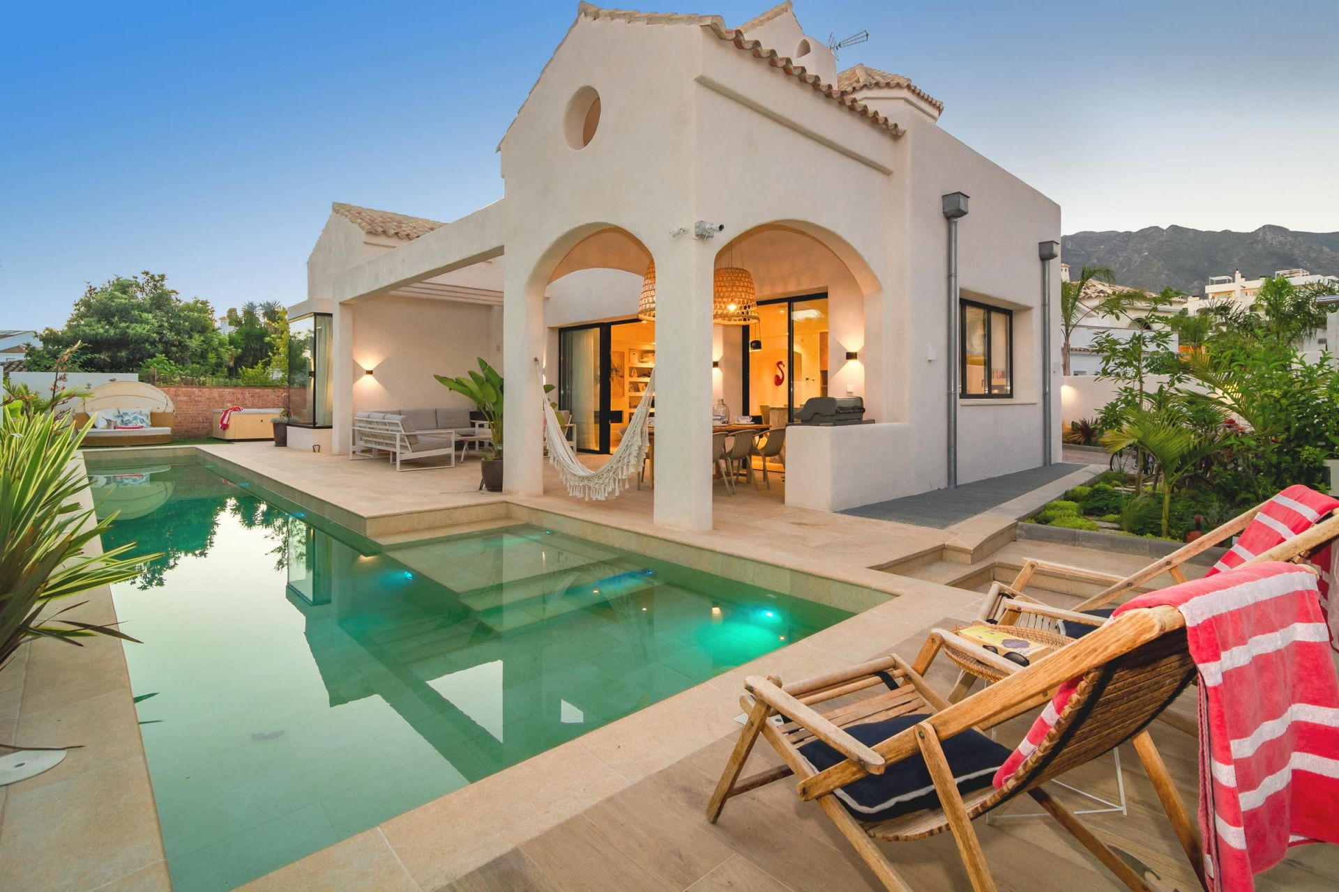 Beautiful villa for short term rental walking distance to the beach