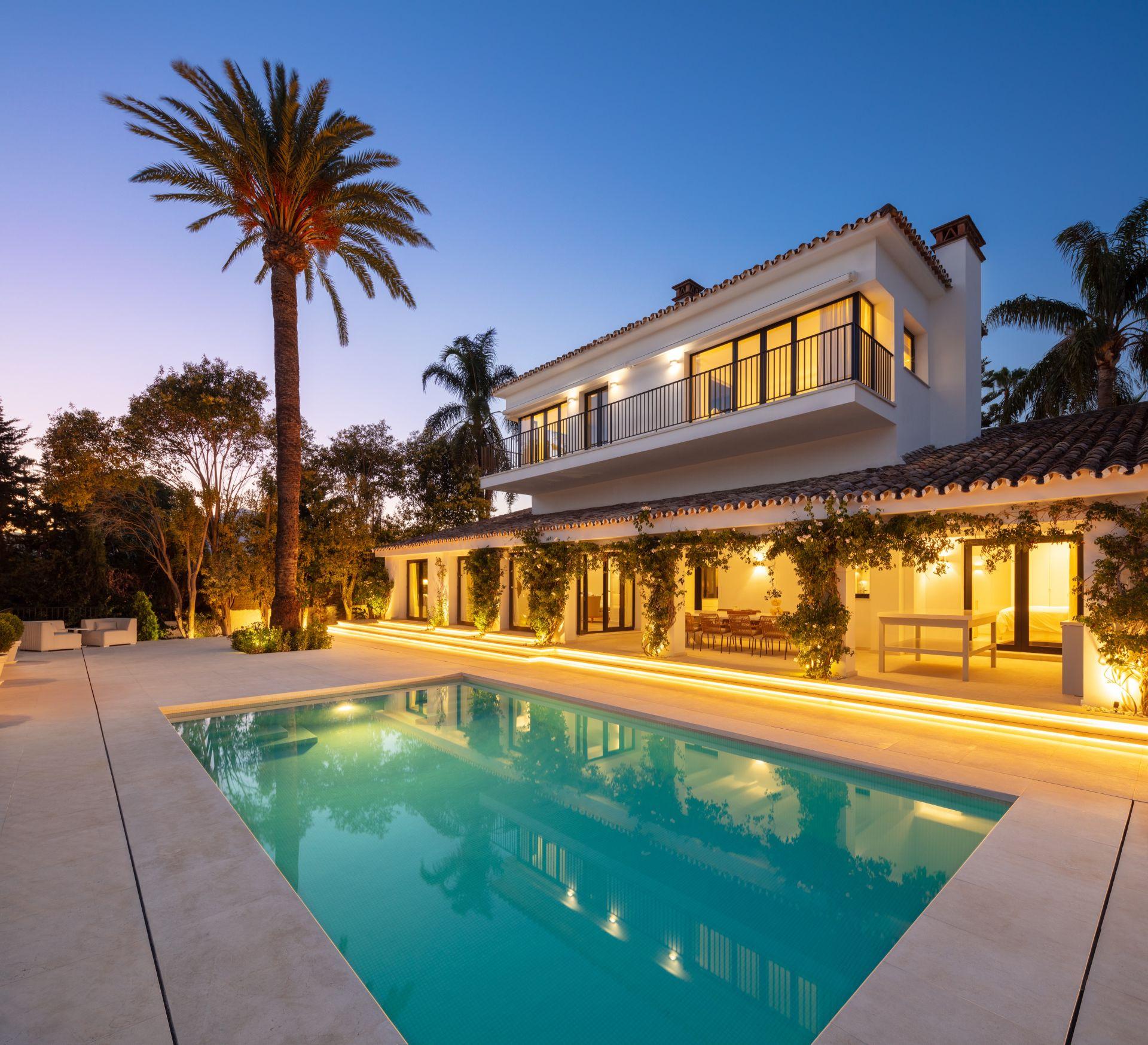 Villa for sale in Parcelas del Golf, Nueva Andalucia, Marbella