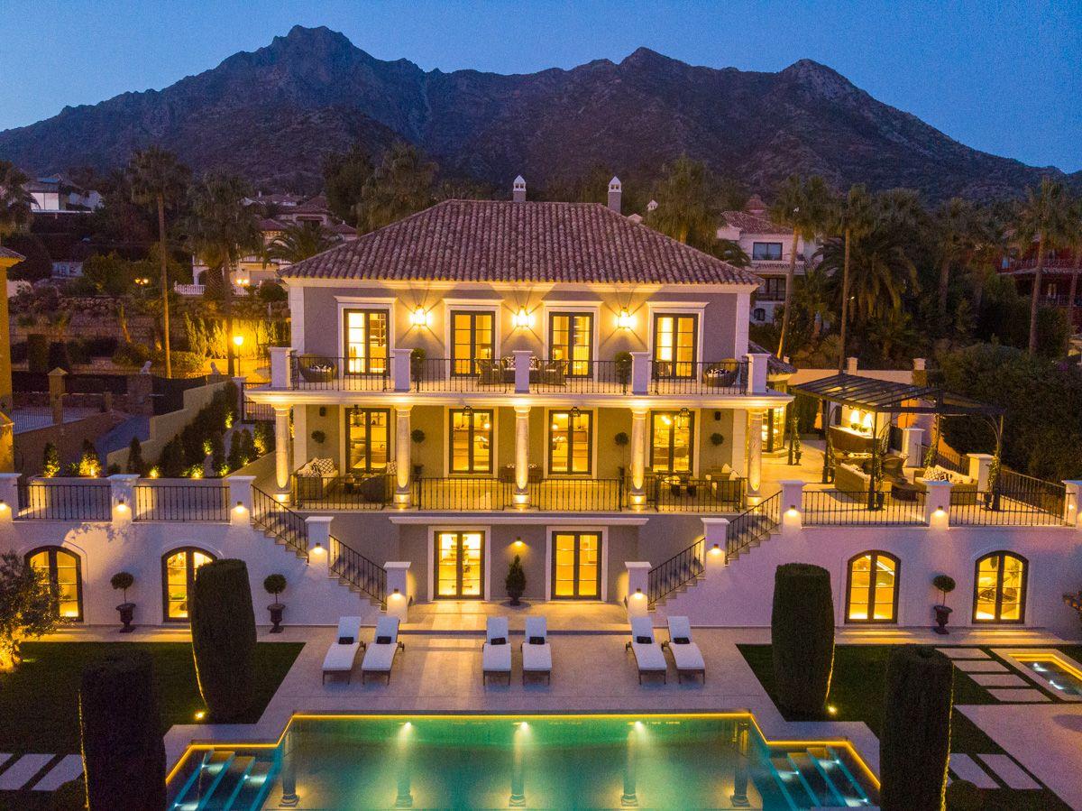 Villa  in Sierra Blanca, Marbella Golden Mile, Marbella
