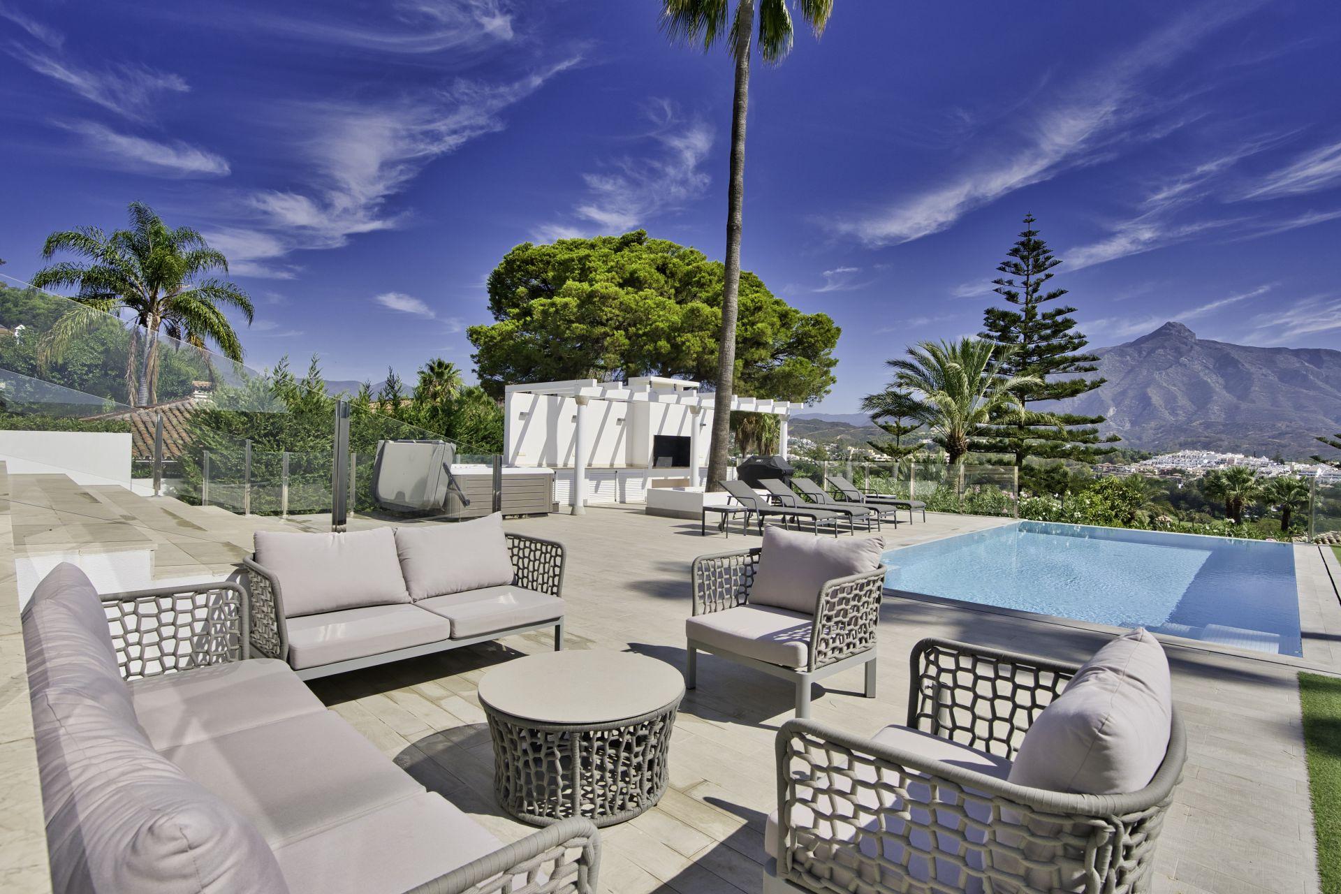 Villa for rent in Las Brisas, Nueva Andalucia, Marbella