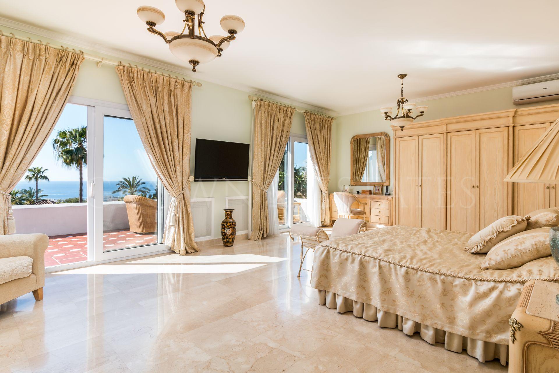 Beautiful Classic Villa with Sea Views
