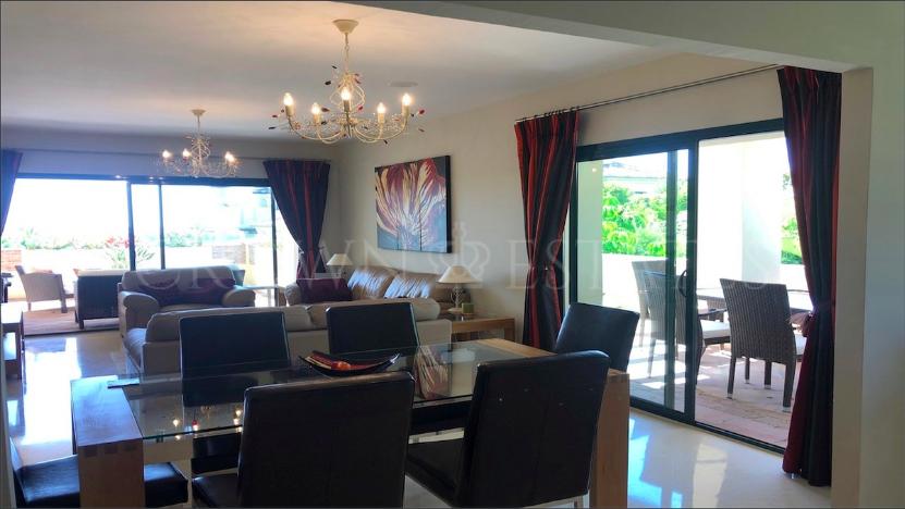 Stunning ground floor apartment in Benahavis