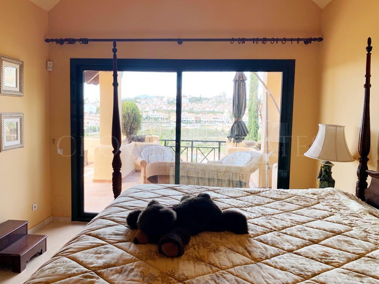 Beautiful duplex penthouse with fantastic open views!