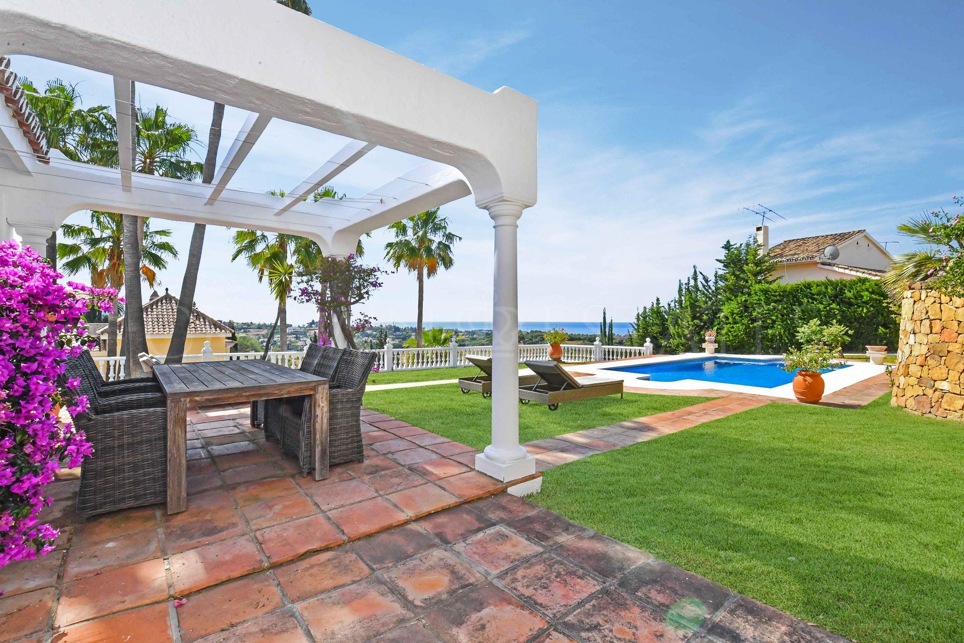 Villa for sale in Paraiso Alto, Benahavis
