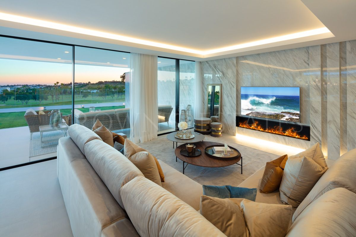 Frontline golf home offering panoramic views in Nueva Andalucia