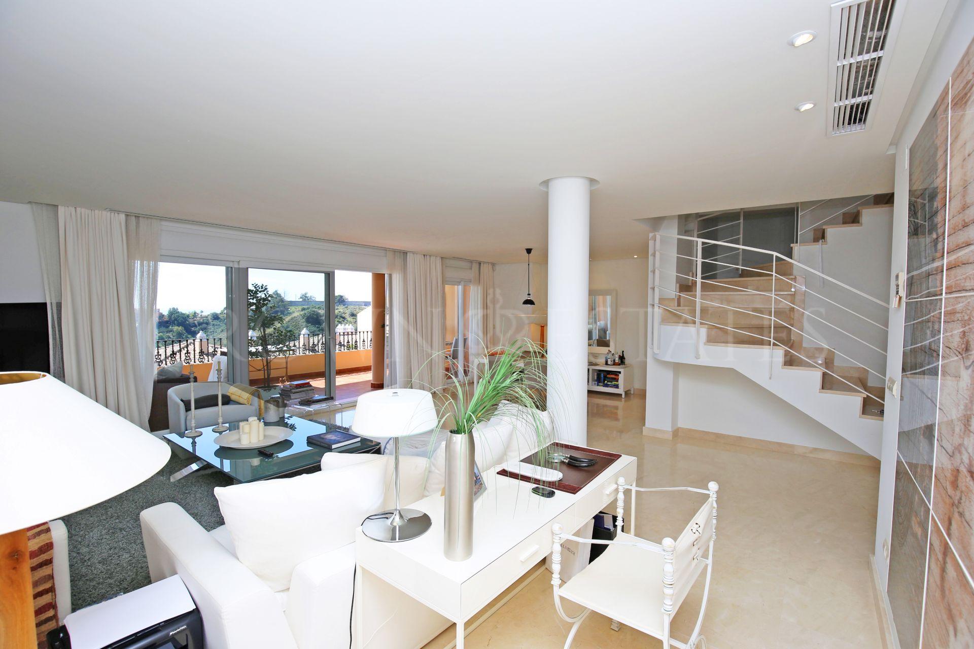 Penthouse for sale in Nueva Andalucia, Marbella