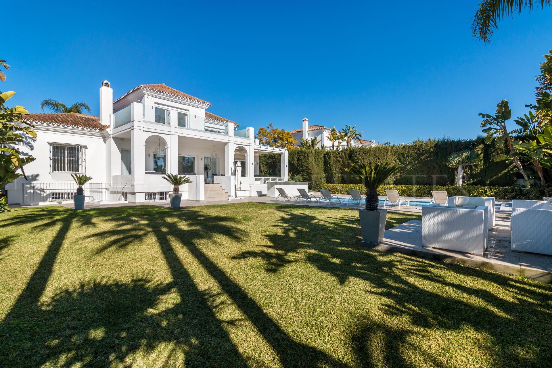 Fully Refurbished 5 Bedroom Villa in Nueva Andalucía