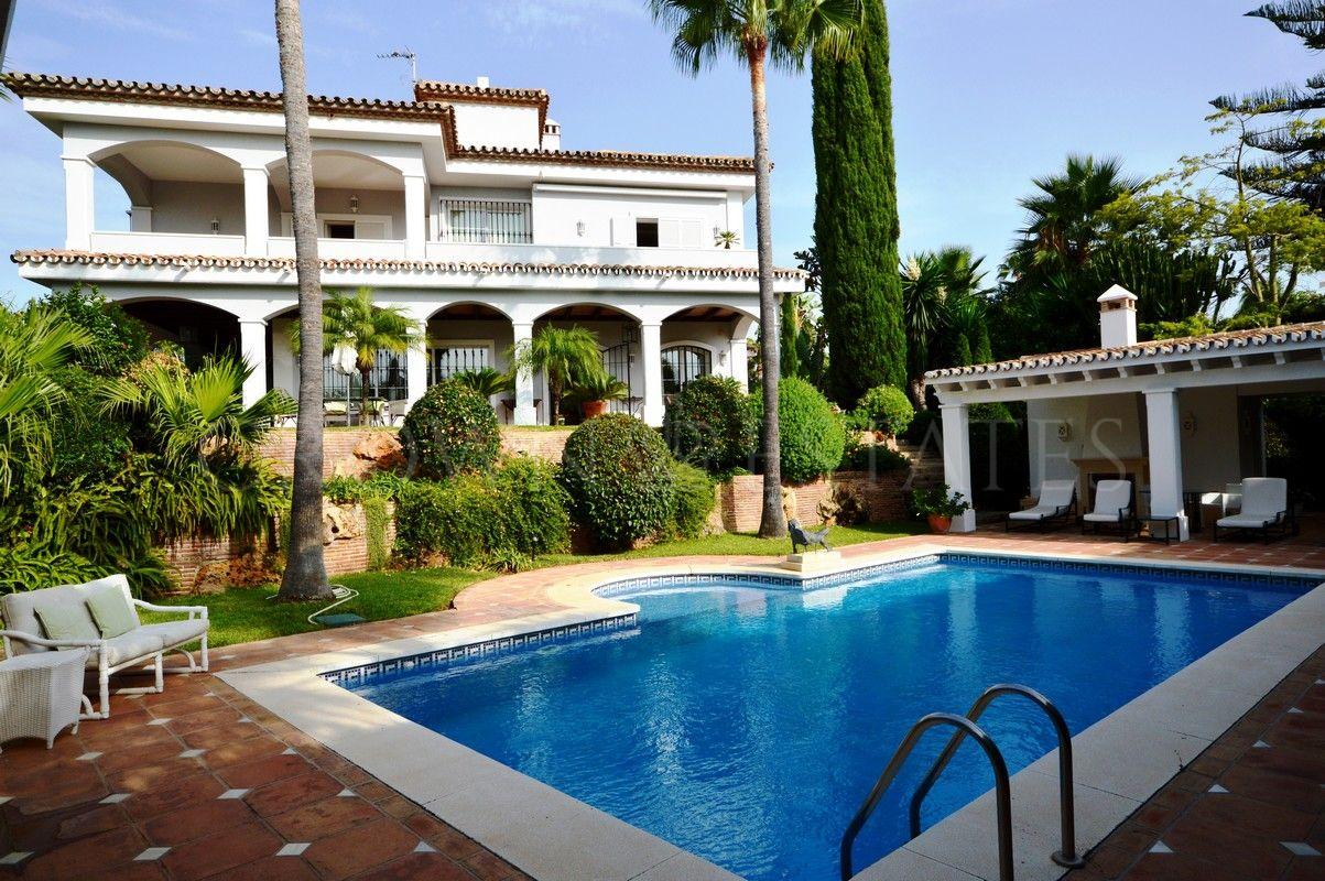 Wonderful villa in one of the best locations of Bahia de Marbella!