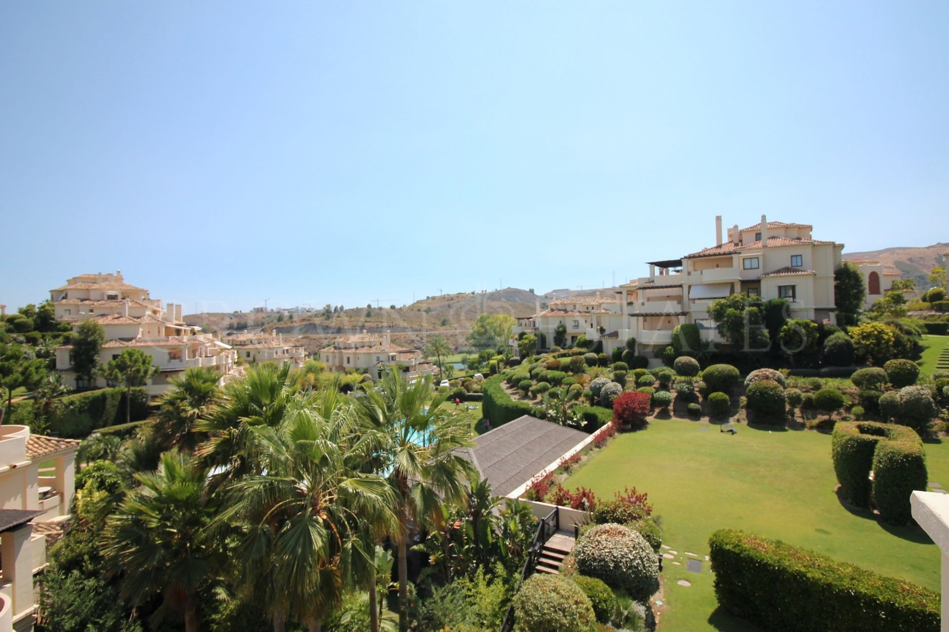 Ground Floor Apartment for sale in Los Capanes del Golf, Benahavis