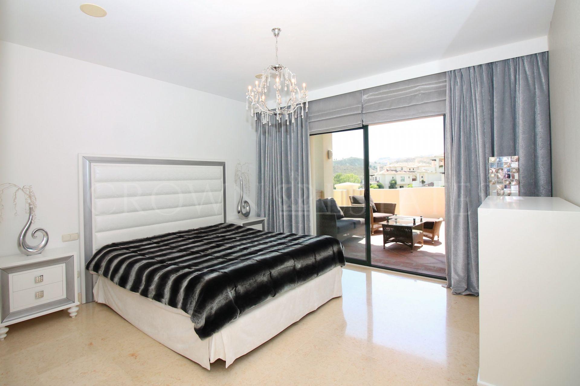 Apartment for sale in Los Capanes del Golf, Benahavis