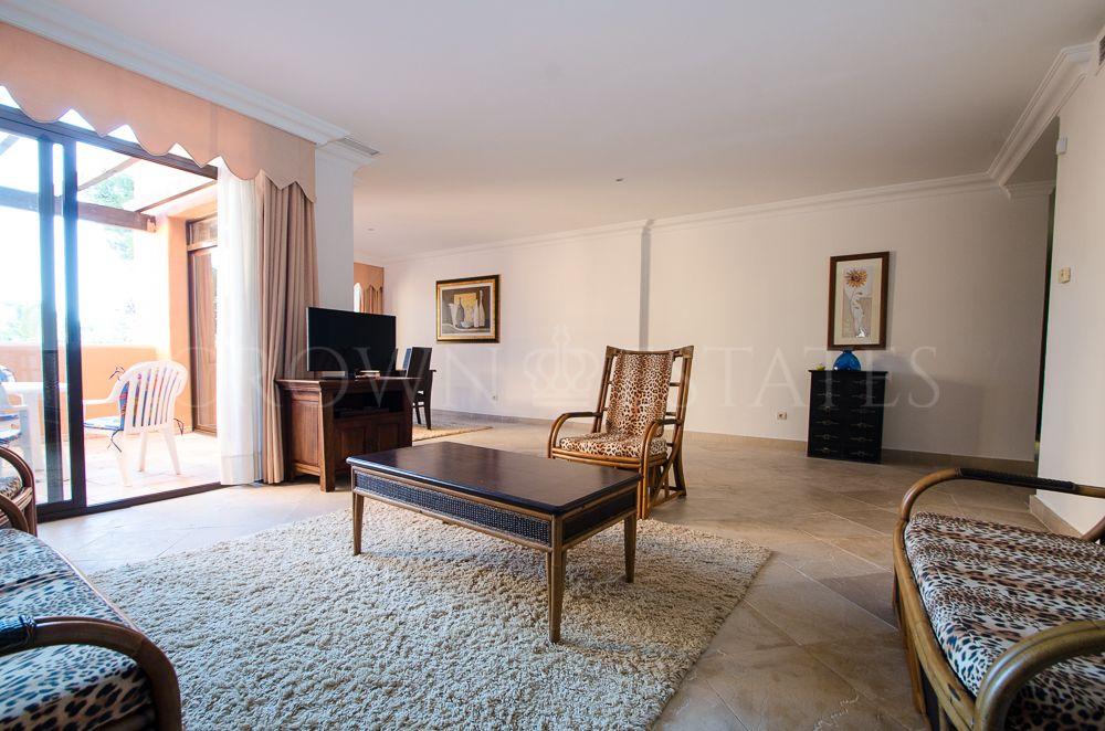 Apartment for sale in El Paraiso, Estepona