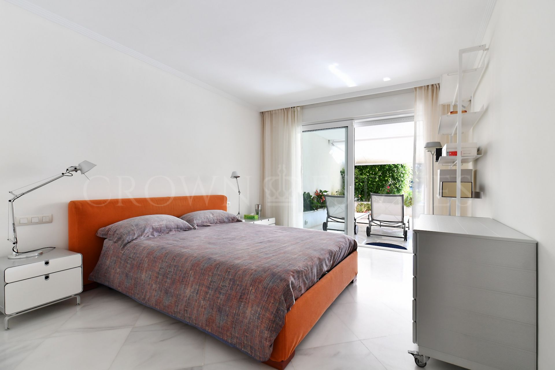 Luxury ground floor apartment in Nueva Andalucia,Marbella