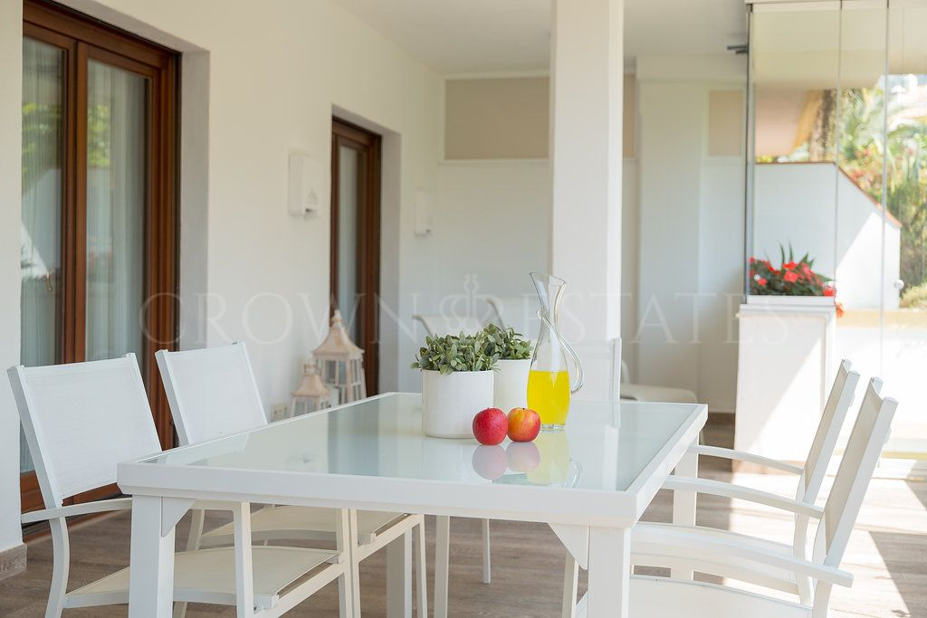 Great apartment walking distance to Puente Romano.