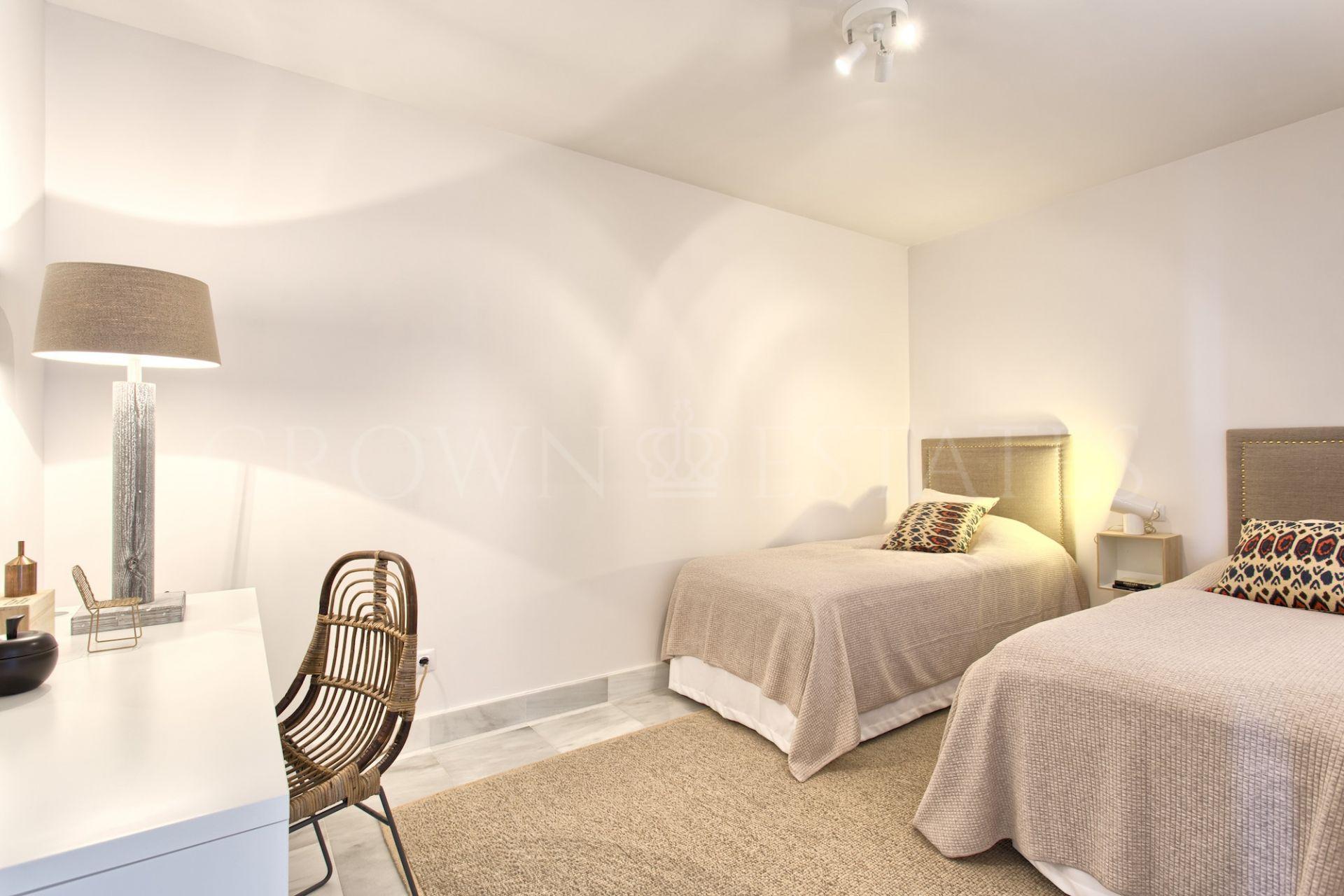 Ground Floor Apartment for sale in Monte Halcones, Benahavis
