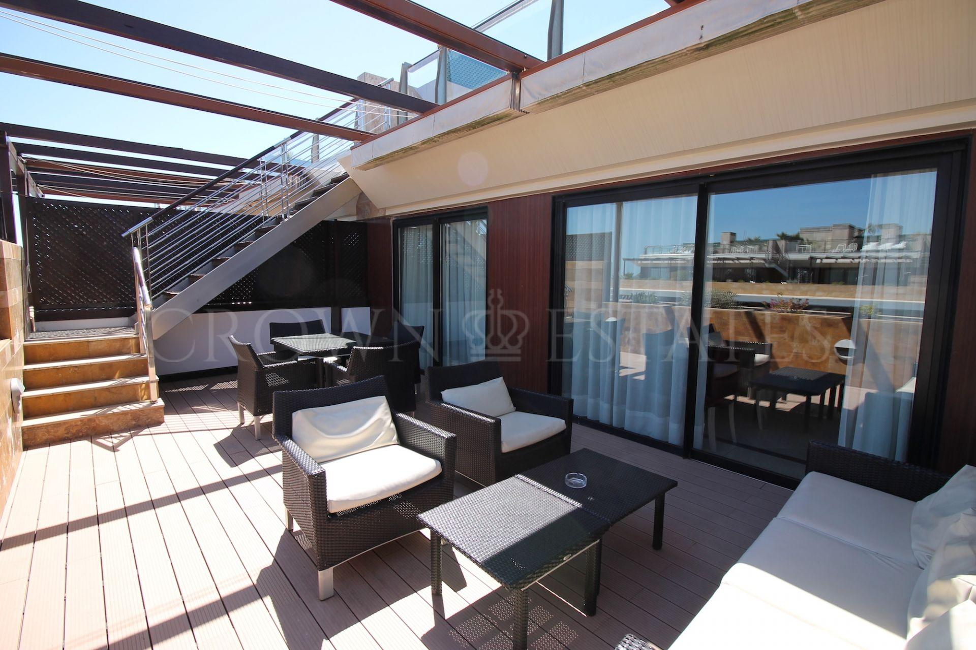 Duplex penthouse in Hotel Guadalpin Banus