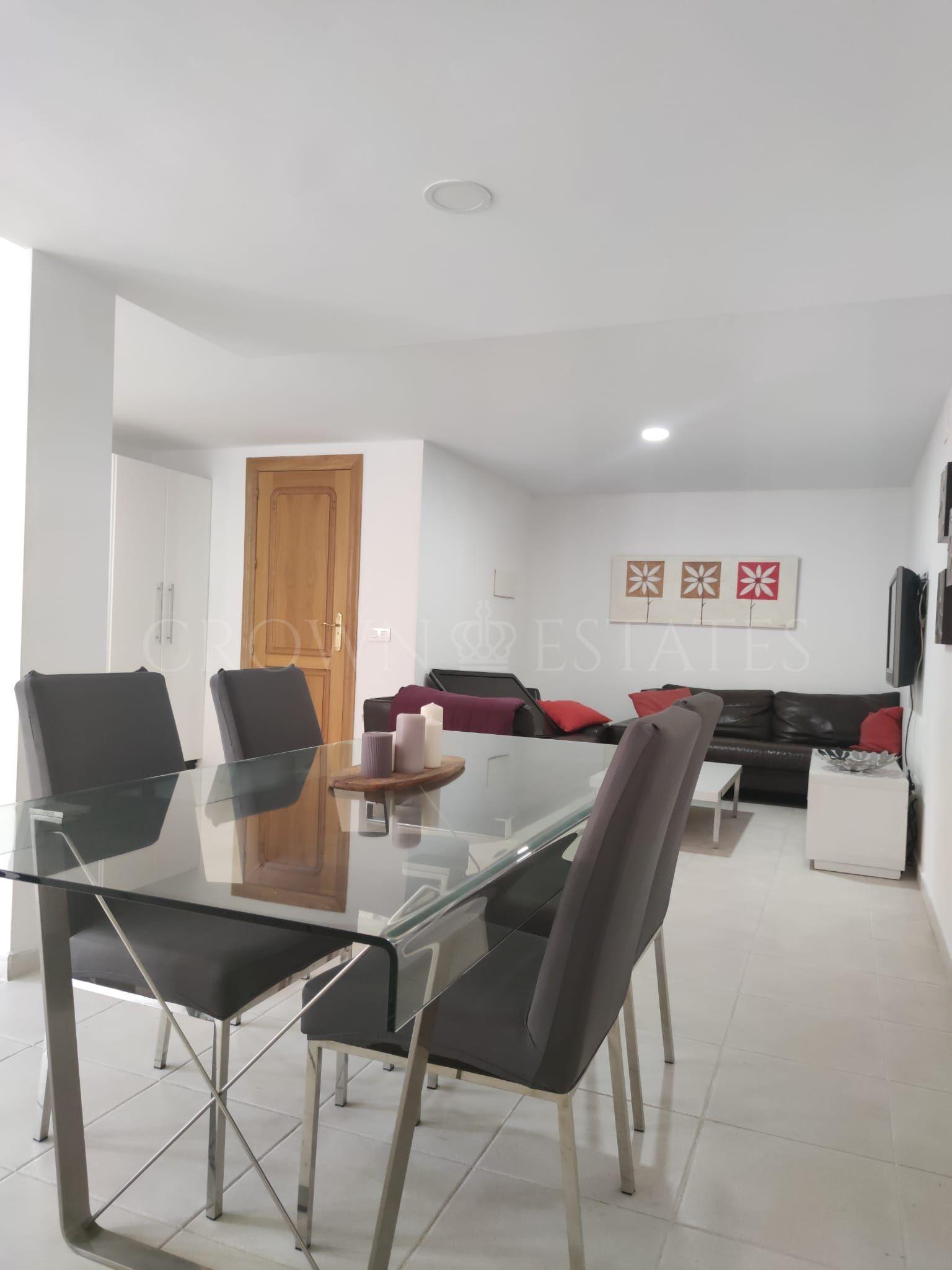 Fenomenal Semi-detached Villa in Calahonda!