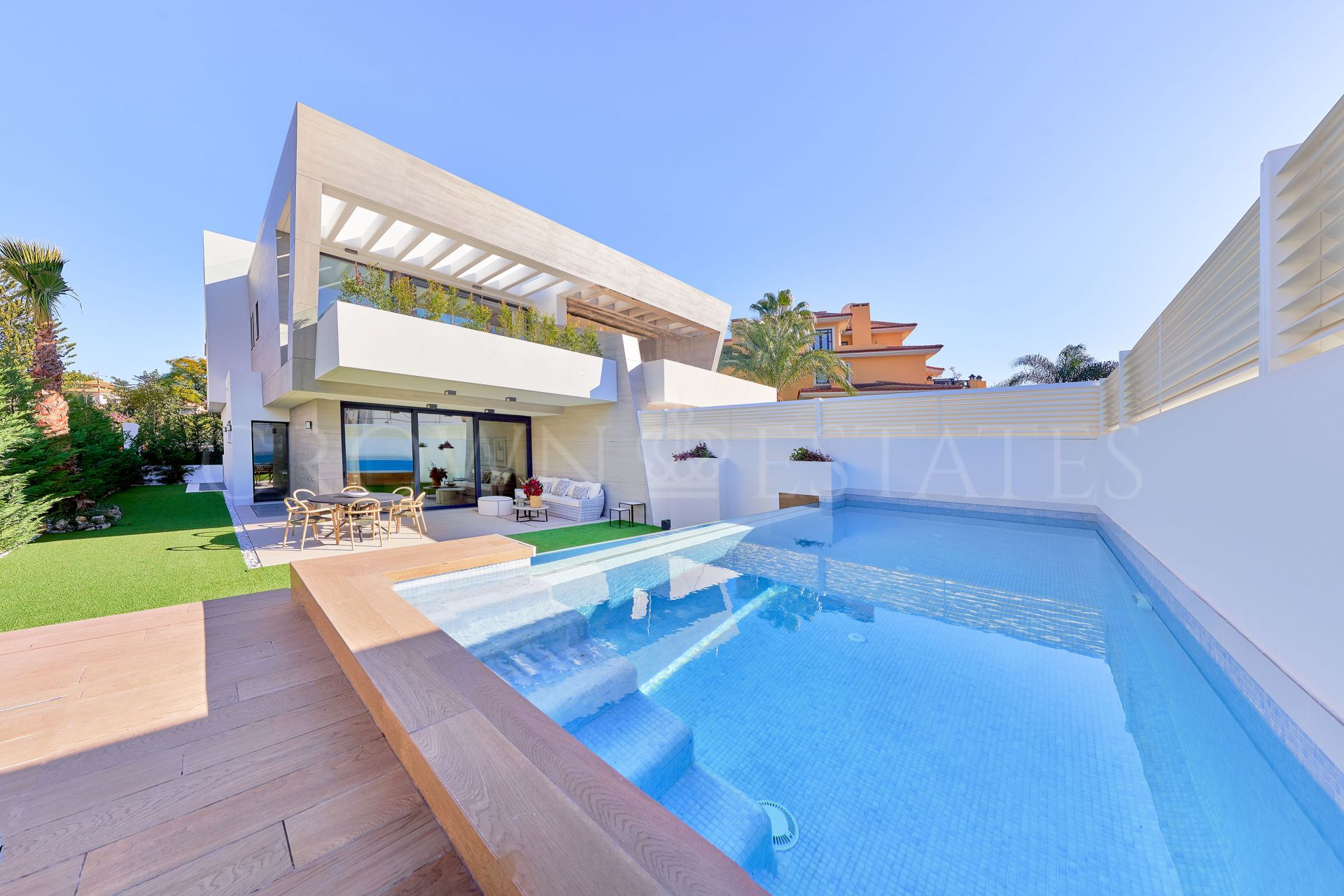Semi Detached Villa for sale in Marbella Golden Mile