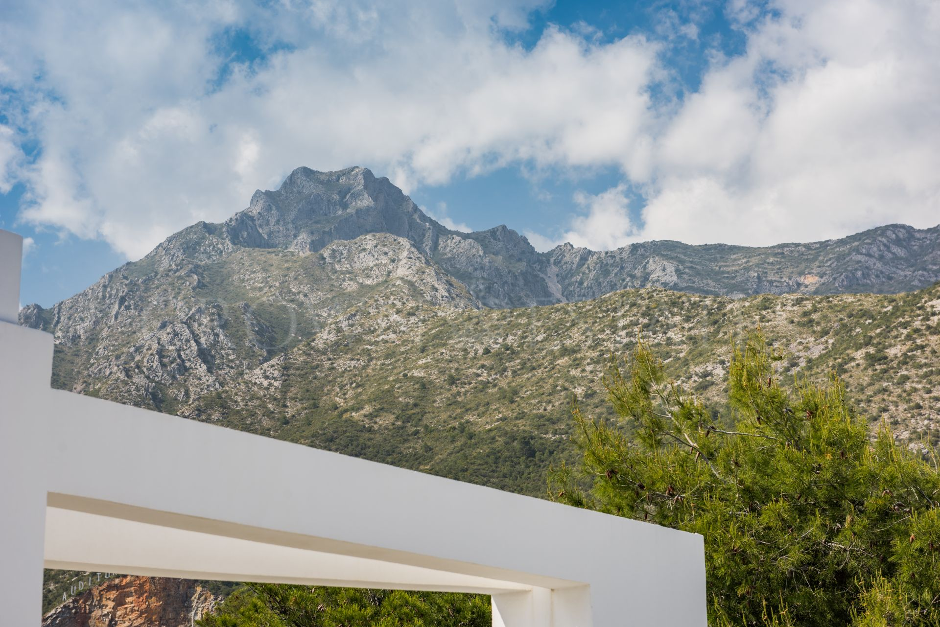 Fantastic Semi Detached Villa at Sierra Blanca