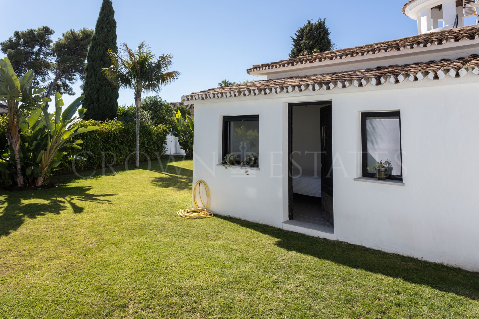 Luxury Villa Surrounded by the Guadalmina Alta Golf Course.