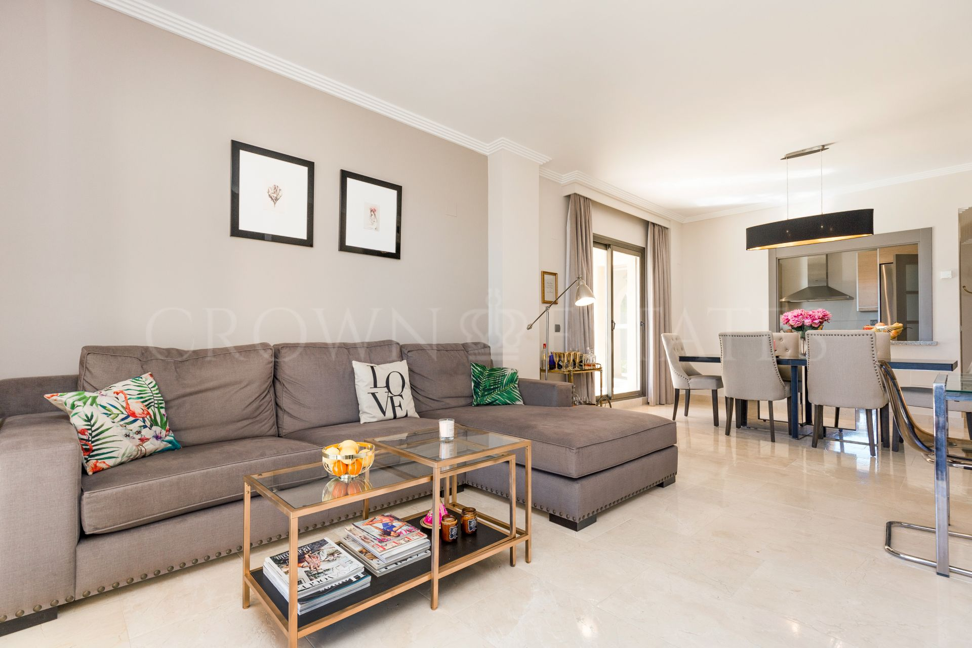 Ground Floor Apartment With Sea Views and Private Terrace.