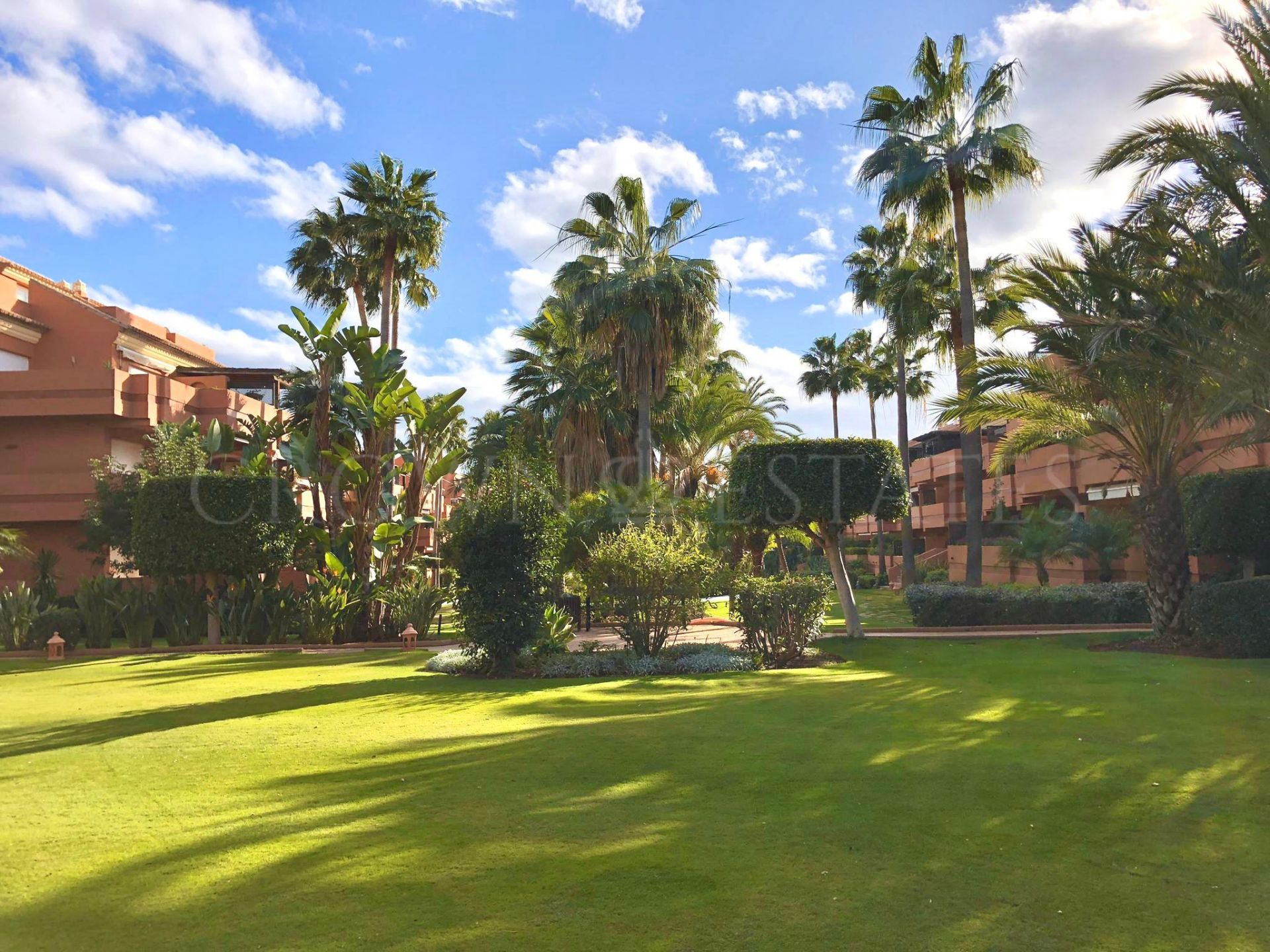 2 Bedroom and 2 Bathroom Apartment with Garage in Embrujo Playa
