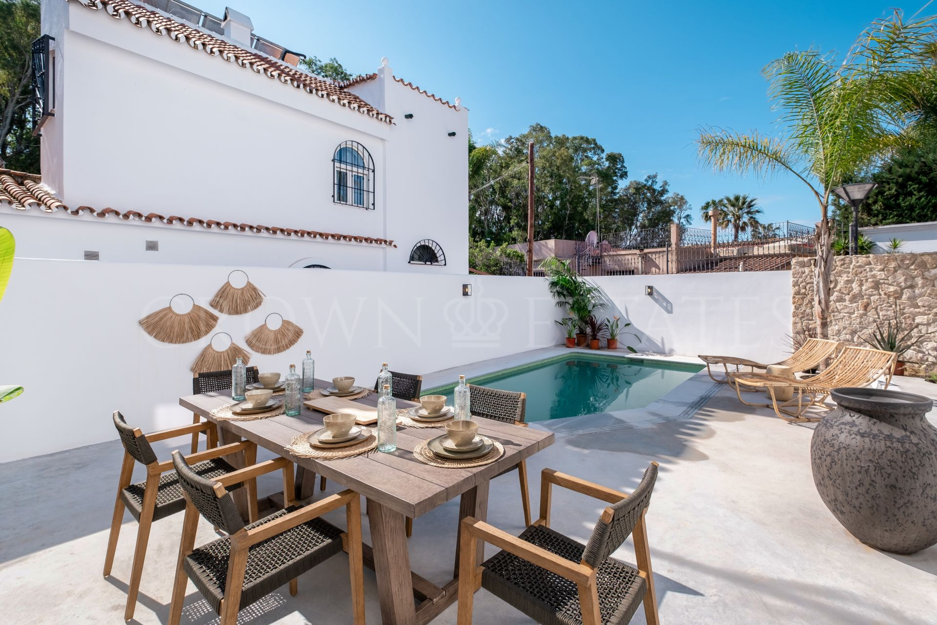 Semi-detached Villa - 4 Bedrooms - 3 Bathrooms - 152m² built - 41m² terraces Renovated villa a few steps from the sea with a relaxed boho feeling to it