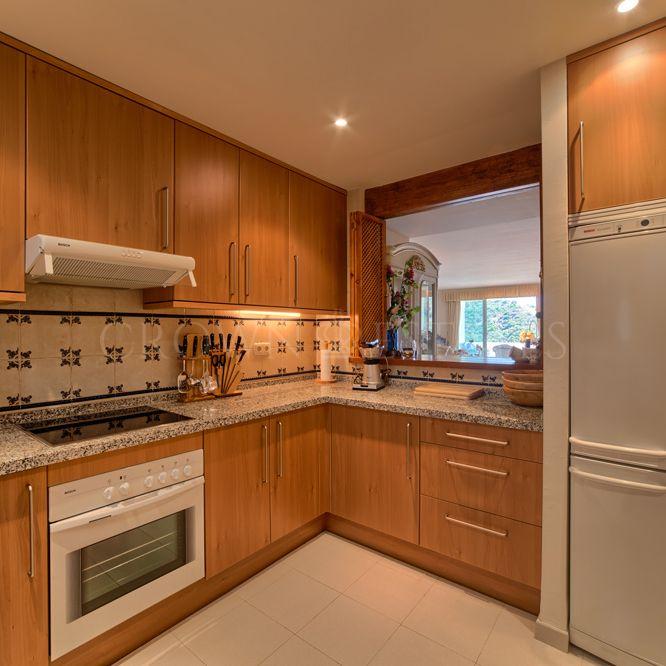 Apartment for sale in Lomas de La Quinta, Benahavis