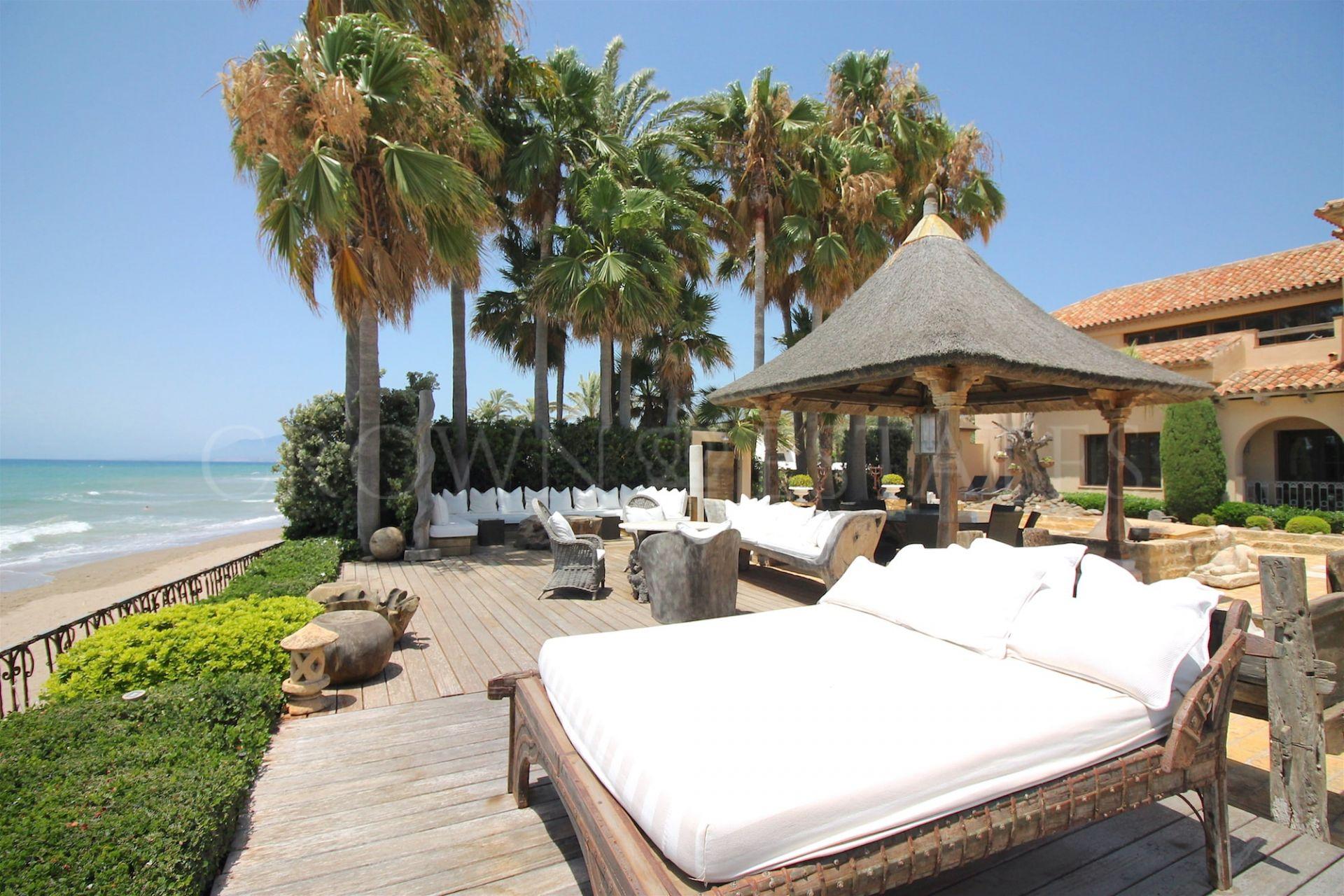 Mansion in Los Monteros Playa, Marbella East
