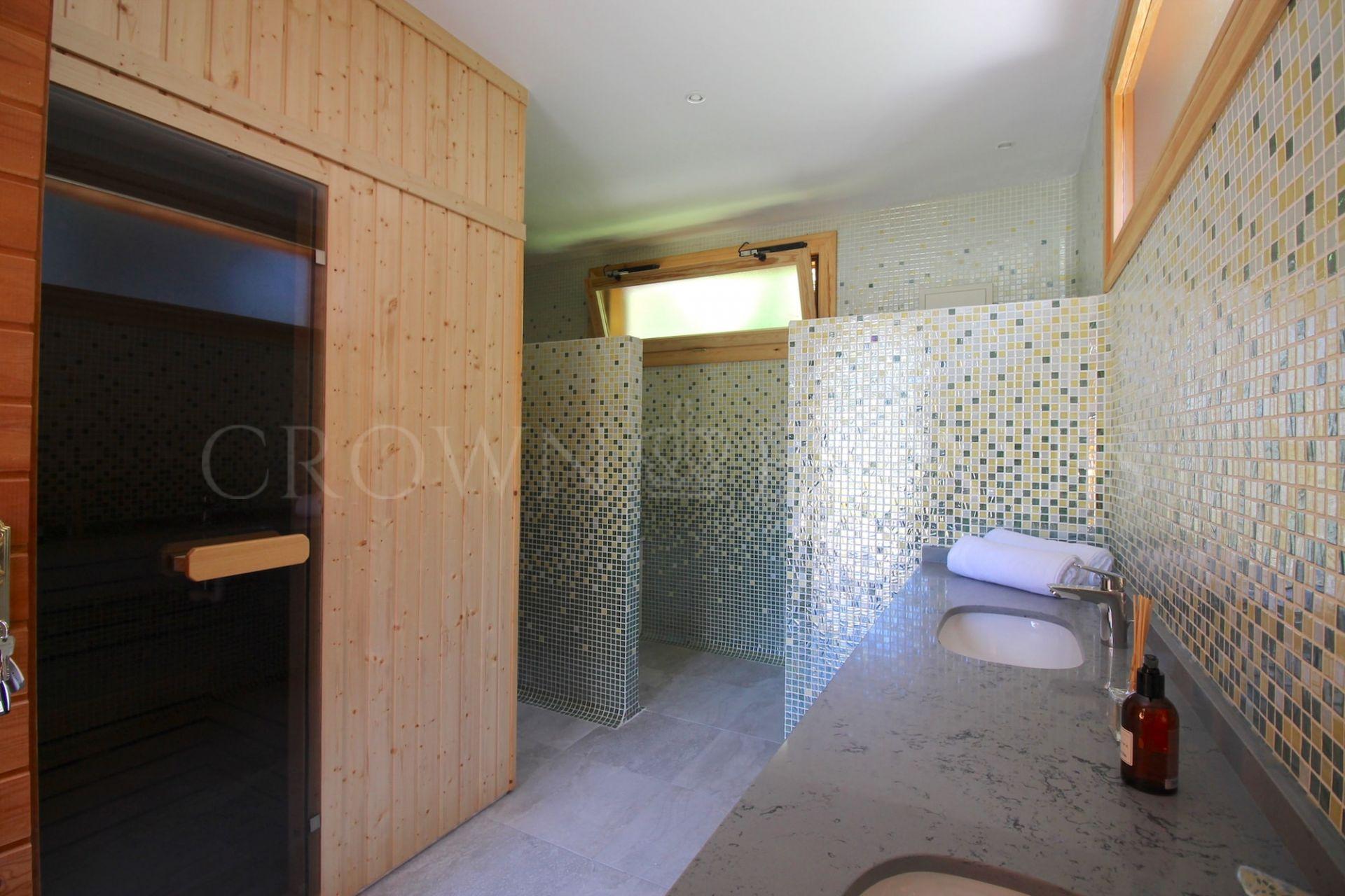 Villa in Parcelas del Golf, Nueva Andalucia