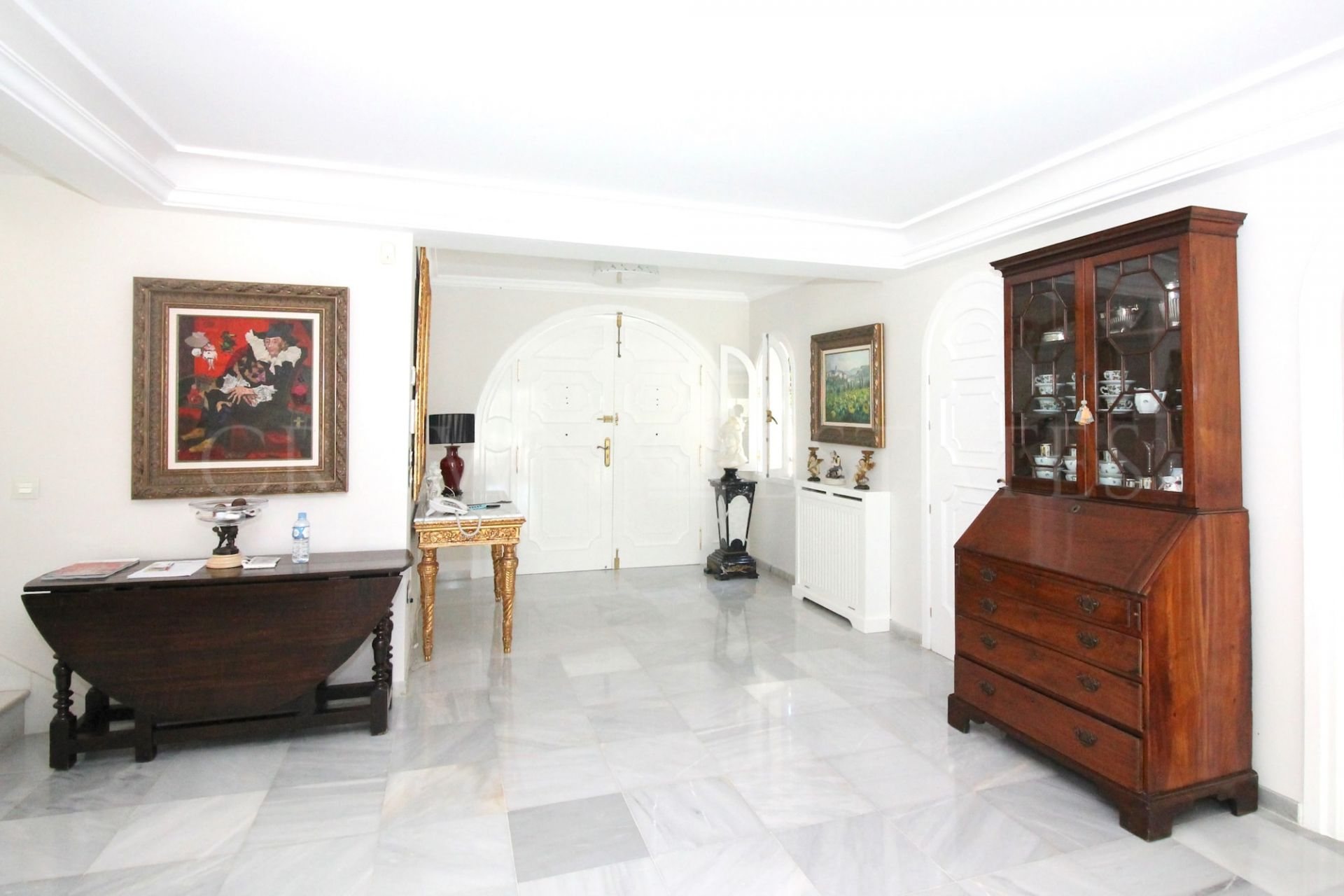 Villa for sale in Rio Real Golf, Marbella East