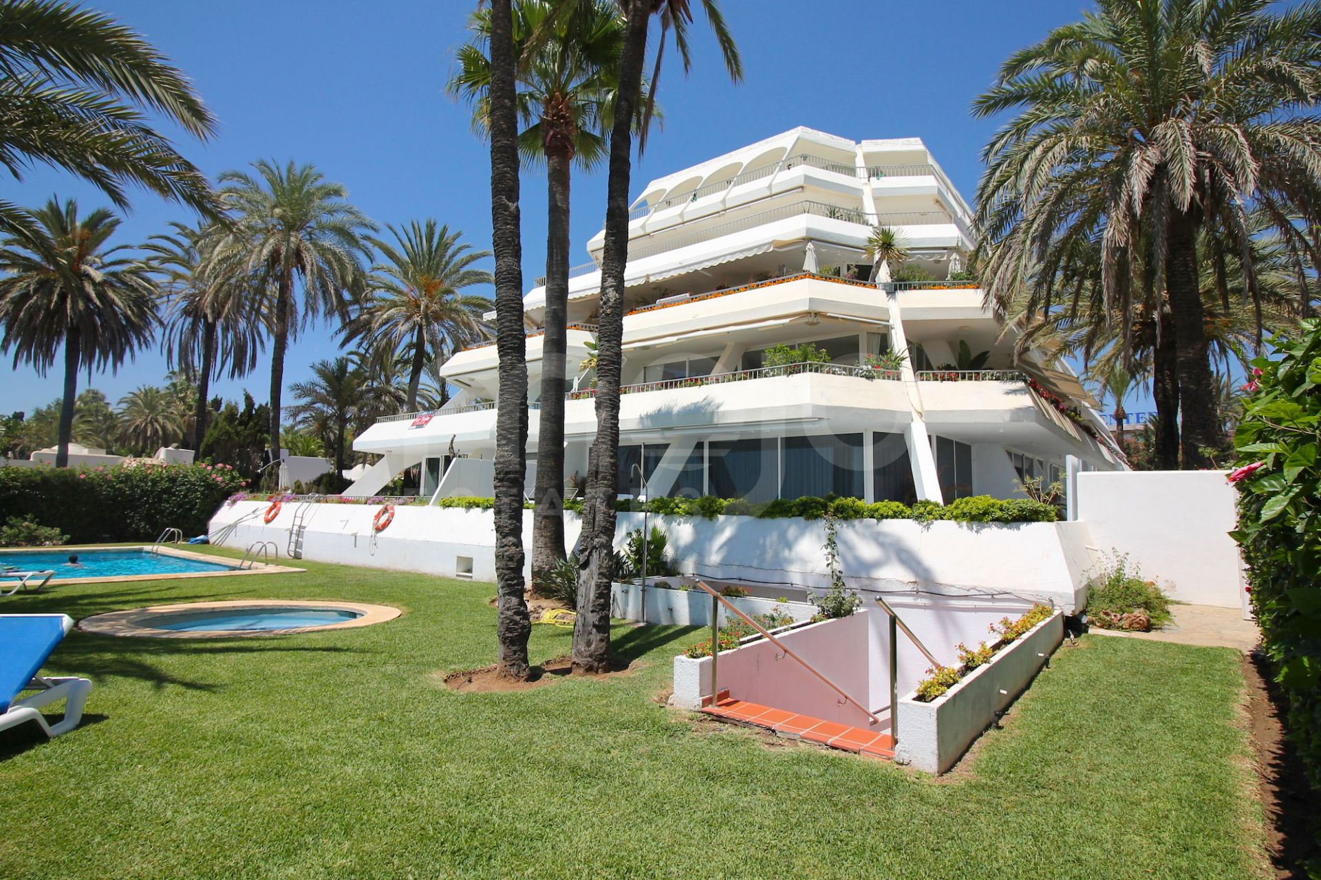 Appartement te koop in Port Oasis, Marbella Golden Mile