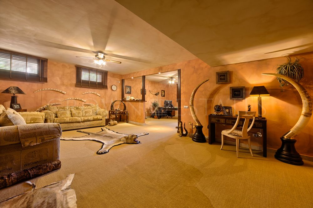 Villa for sale in La Capellania, Marbella Golden Mile