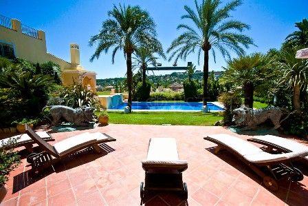 Villa in Aloha, Nueva Andalucia