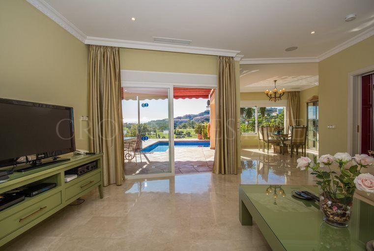 Villa for sale in La Alqueria, Mijas