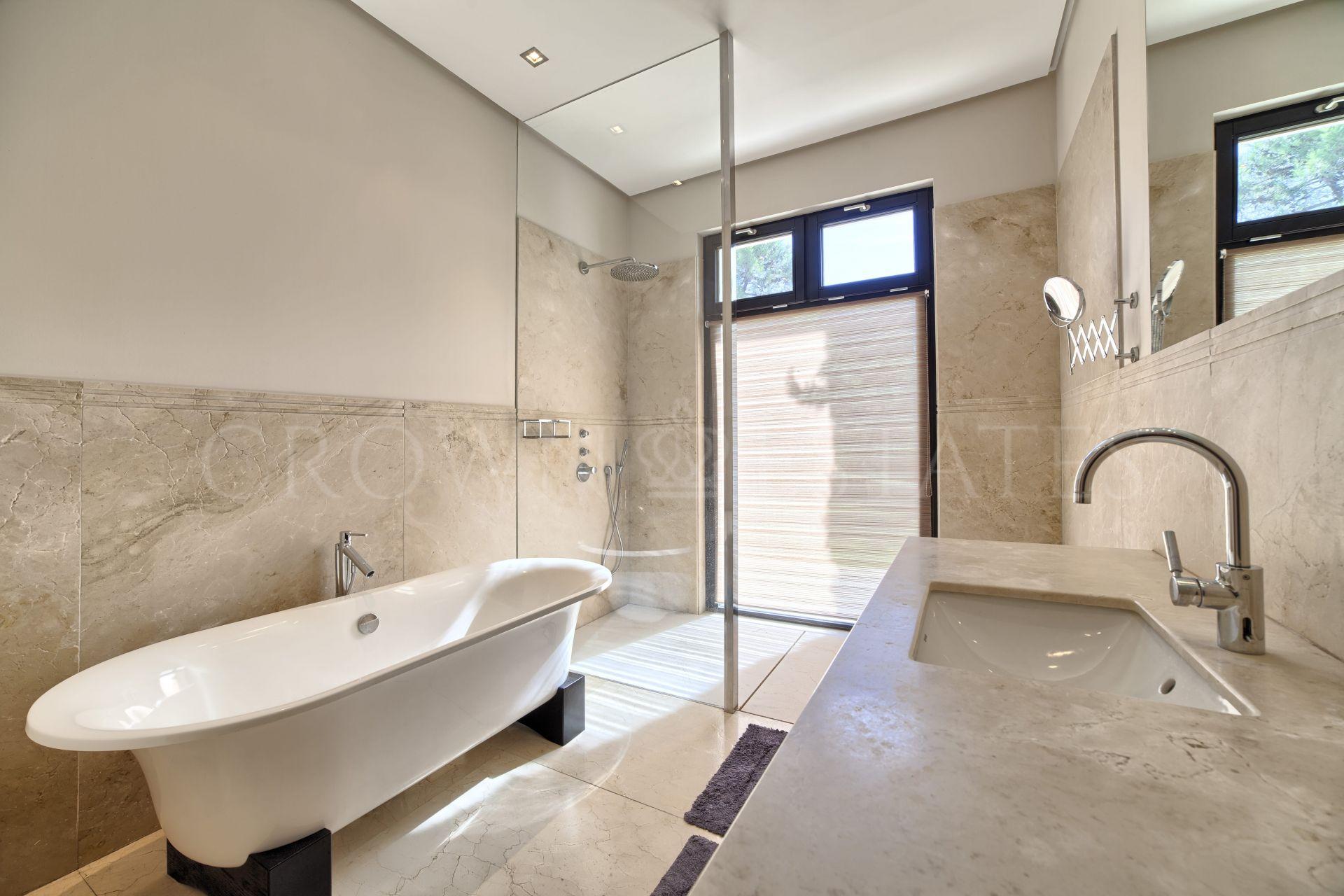 Contemporary quality villa in La Zagaleta
