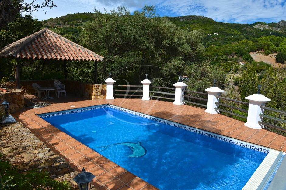 Country House for sale in Casares Montaña