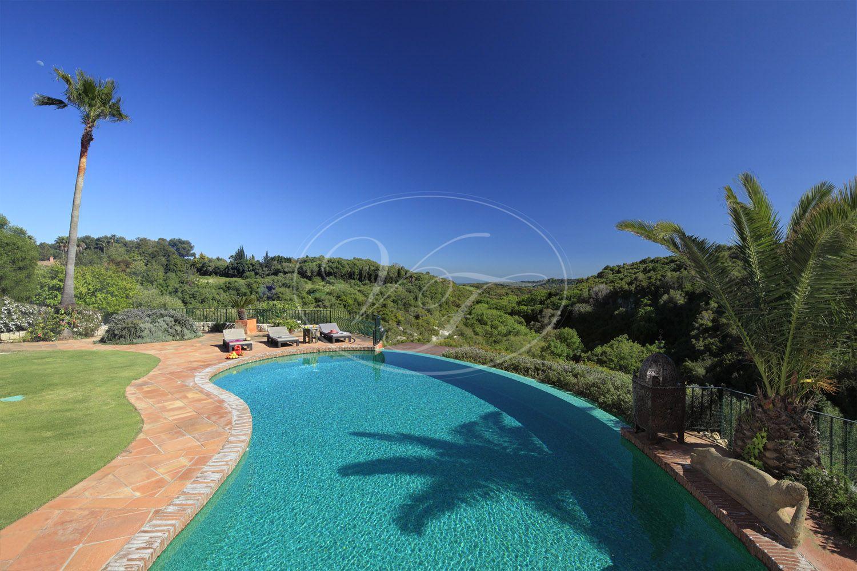 Villa for sale in Sotogrande