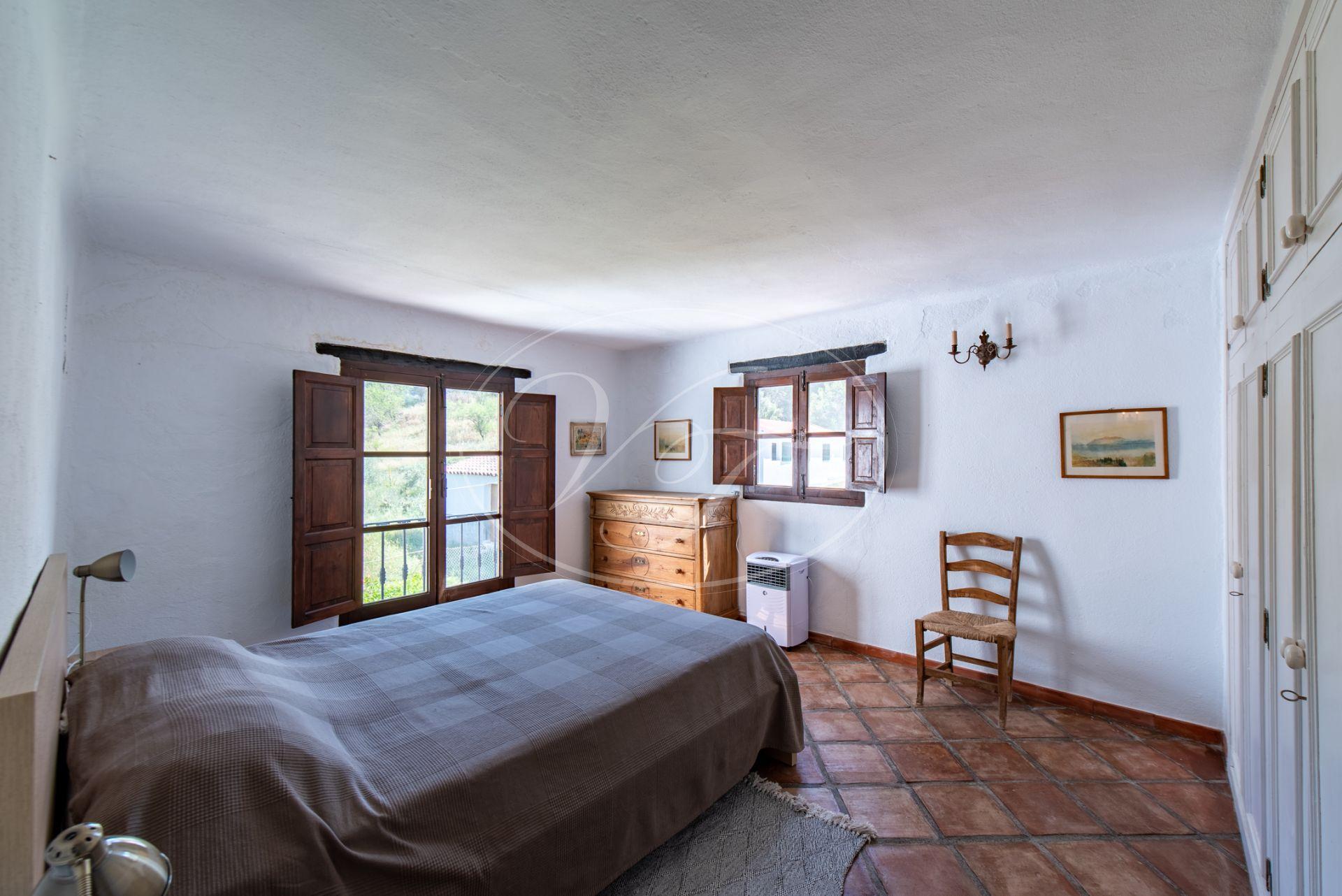 Estate for sale in Casares