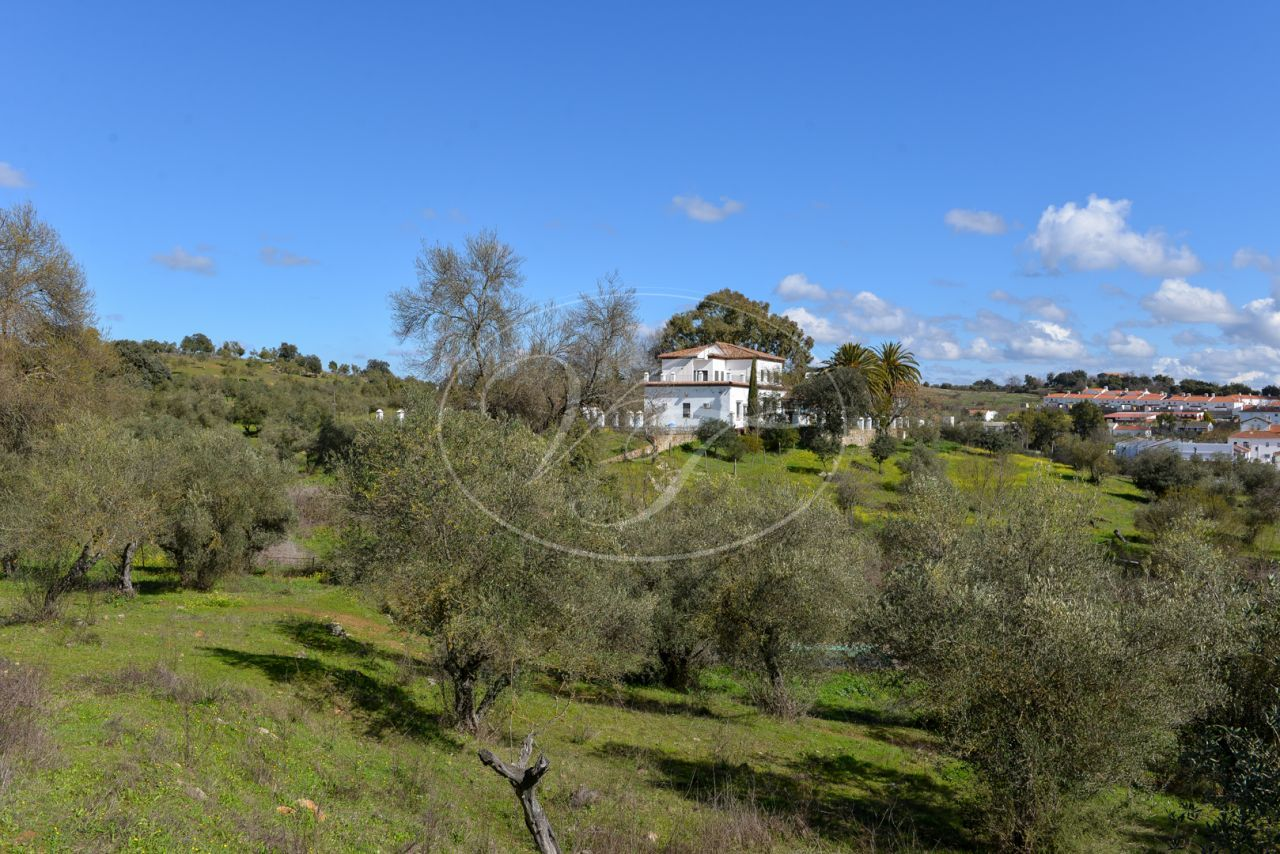 Cortijo for sale in Cazalla de la Sierra