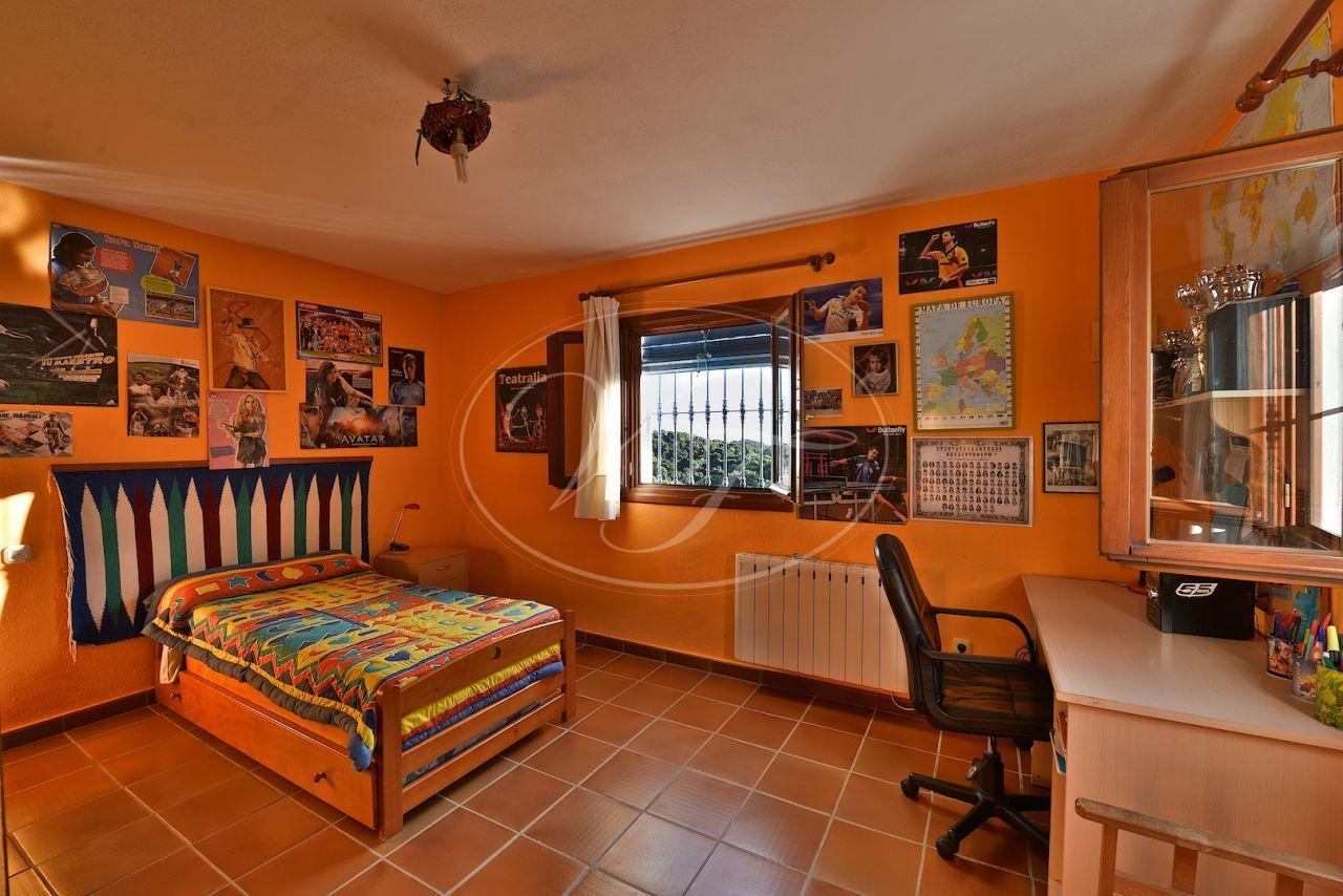 Finca for sale in Casares
